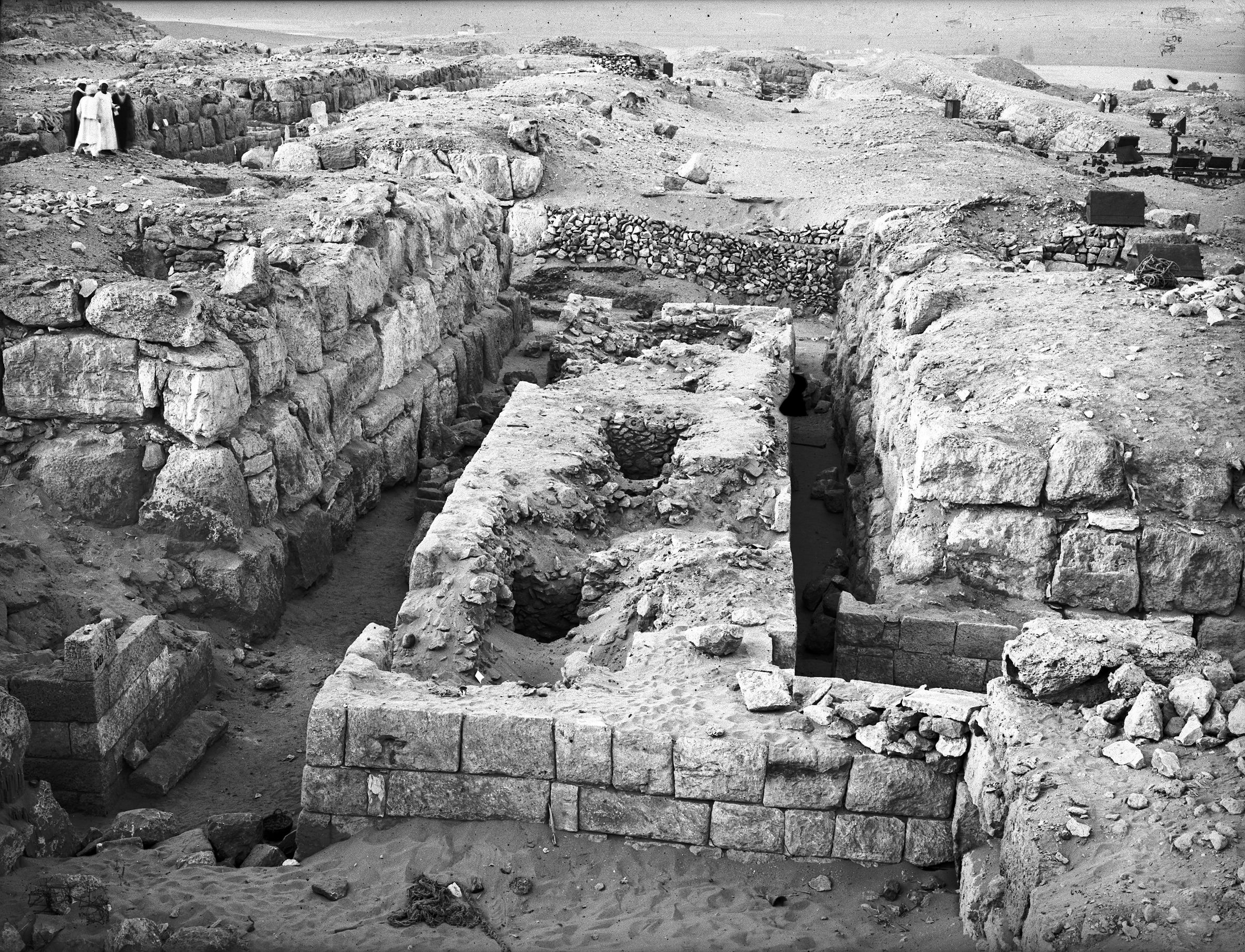 Western Cemetery: Site: Giza; View: G 4730, G 4830, G 4733