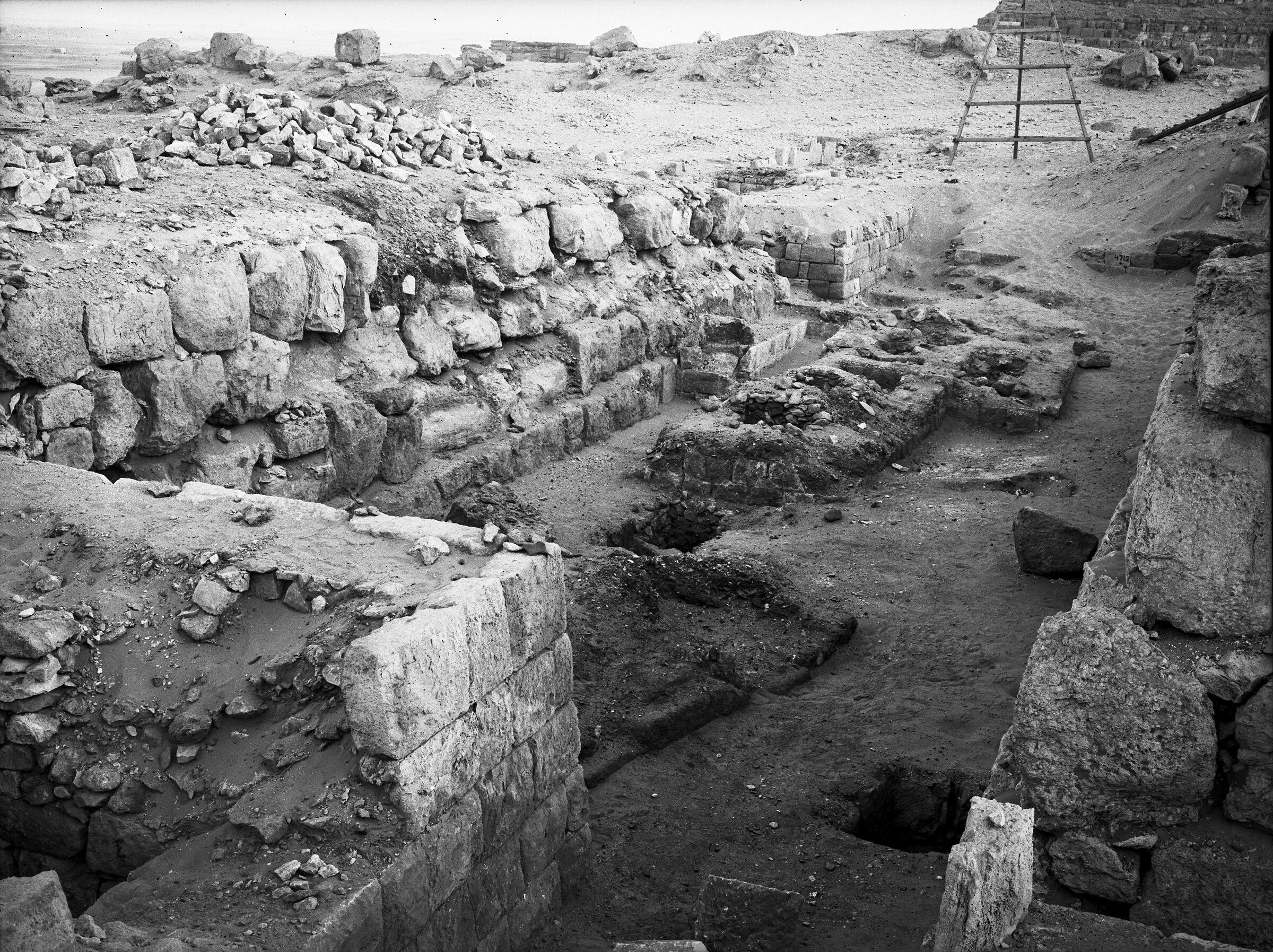 Western Cemetery: Site: Giza; View: G 4720, G 4820, G 4724, G 4722, G 4723, G 4733