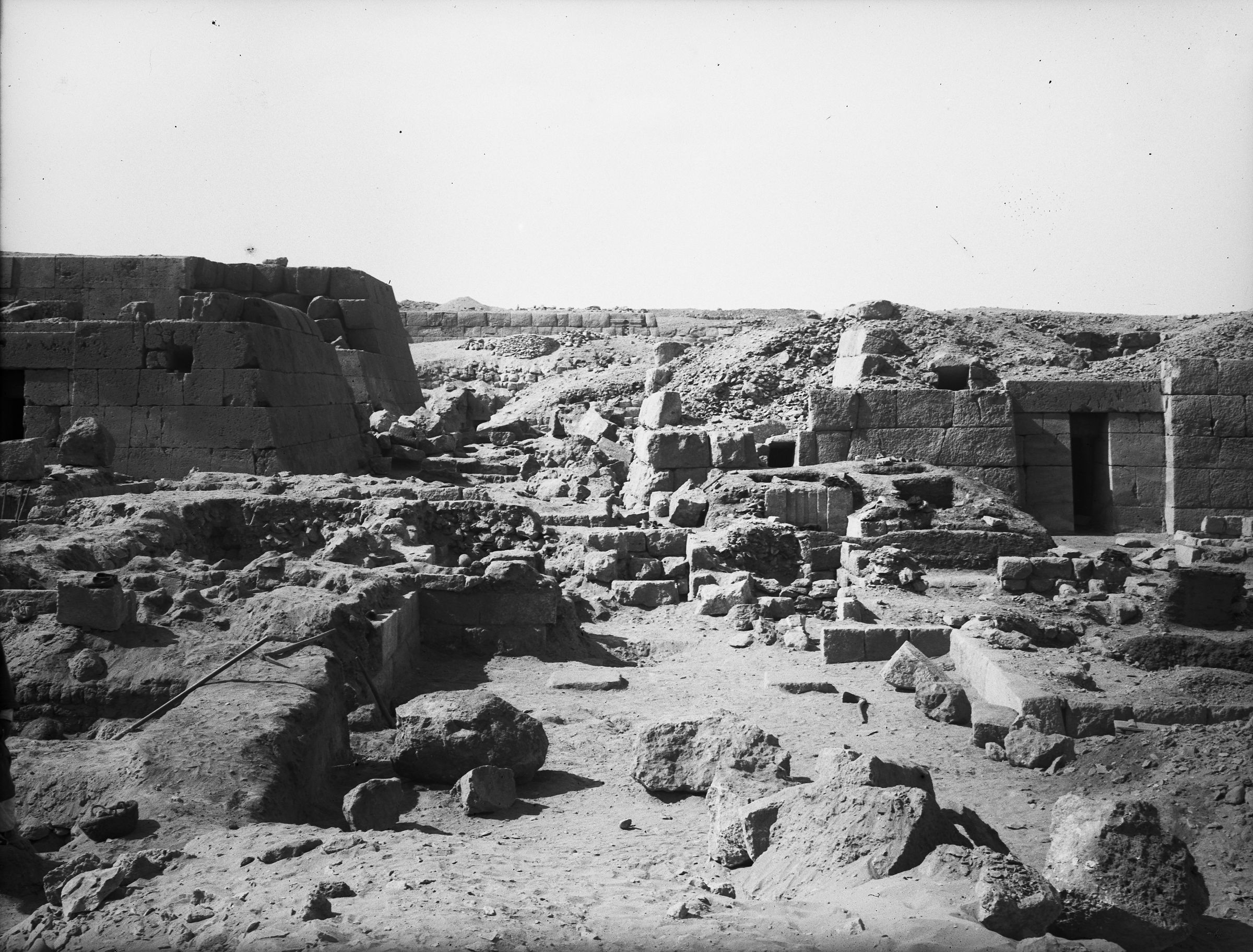 Western Cemetery: Site: Giza; View: G 5332, G 5230, G 5340