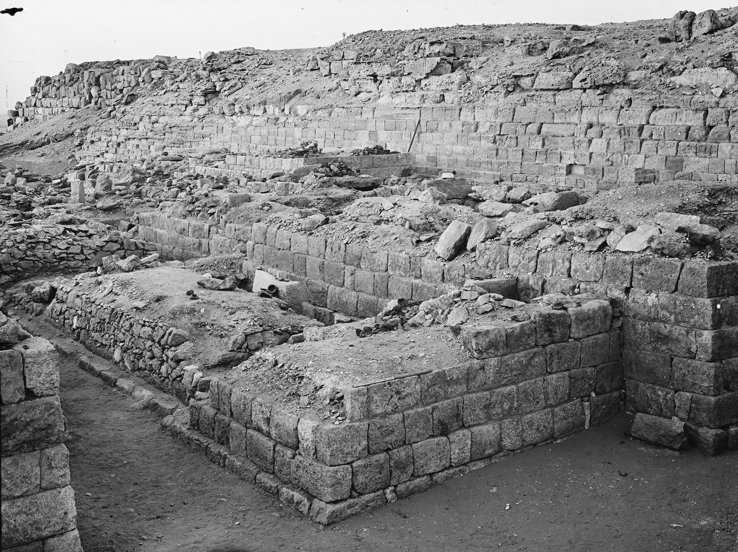 Western Cemetery: Site: Giza; View: G 1013, G 1011, G 1021