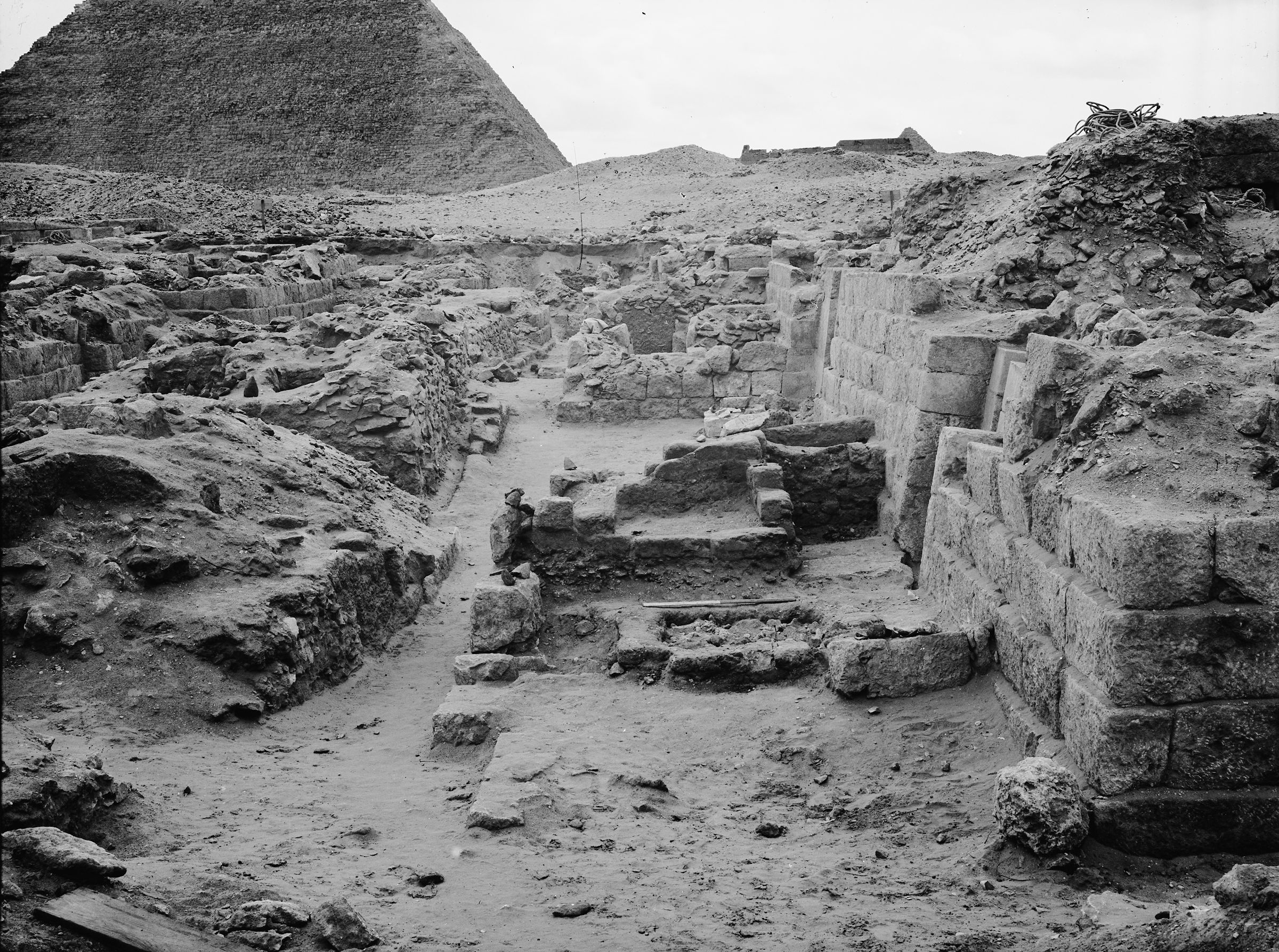 Western Cemetery: Site: Giza; View: G 1034, G 1019, G 1020