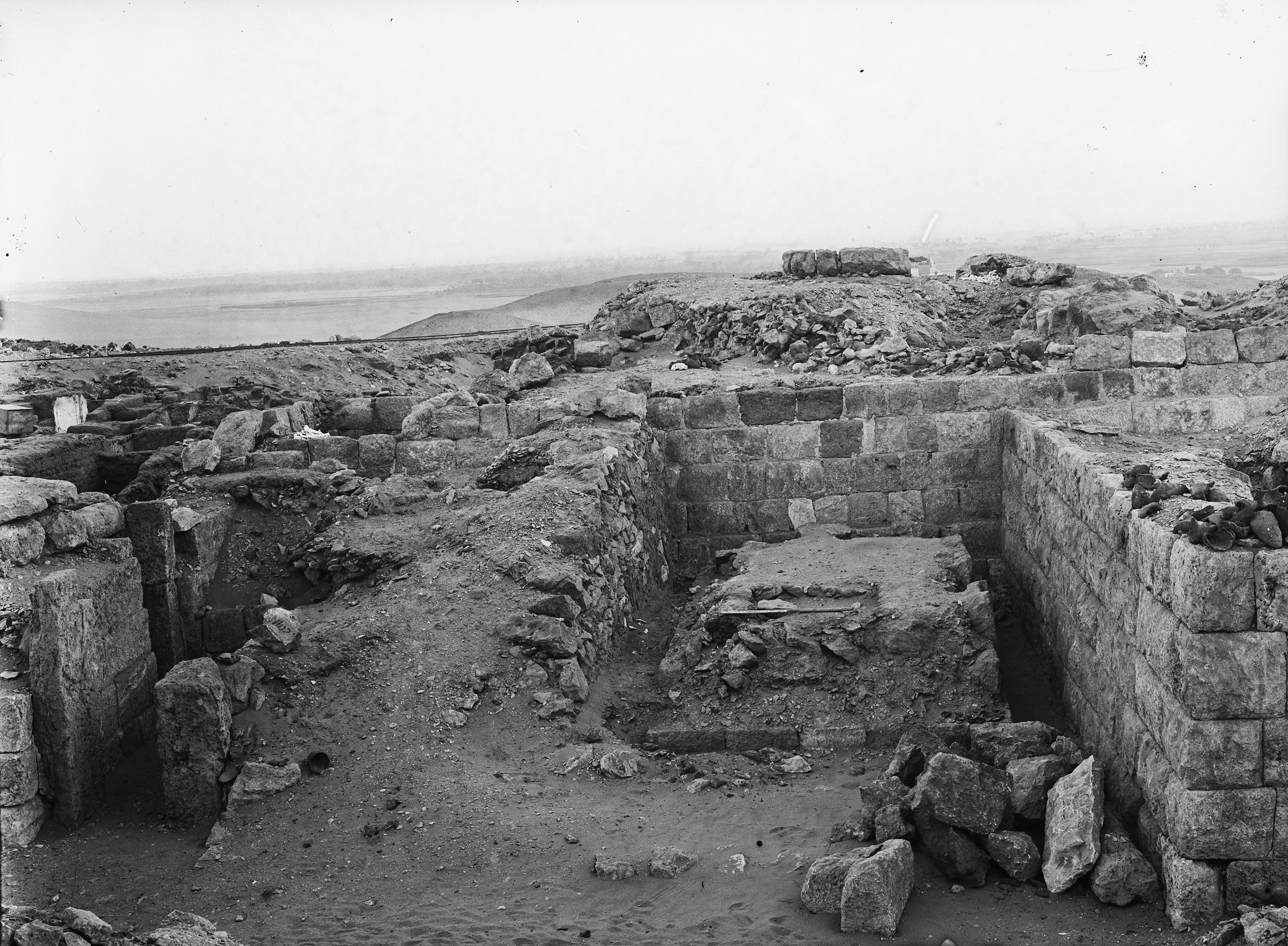 Western Cemetery: Site: Giza; View: G 1020, G 1017, G 1016
