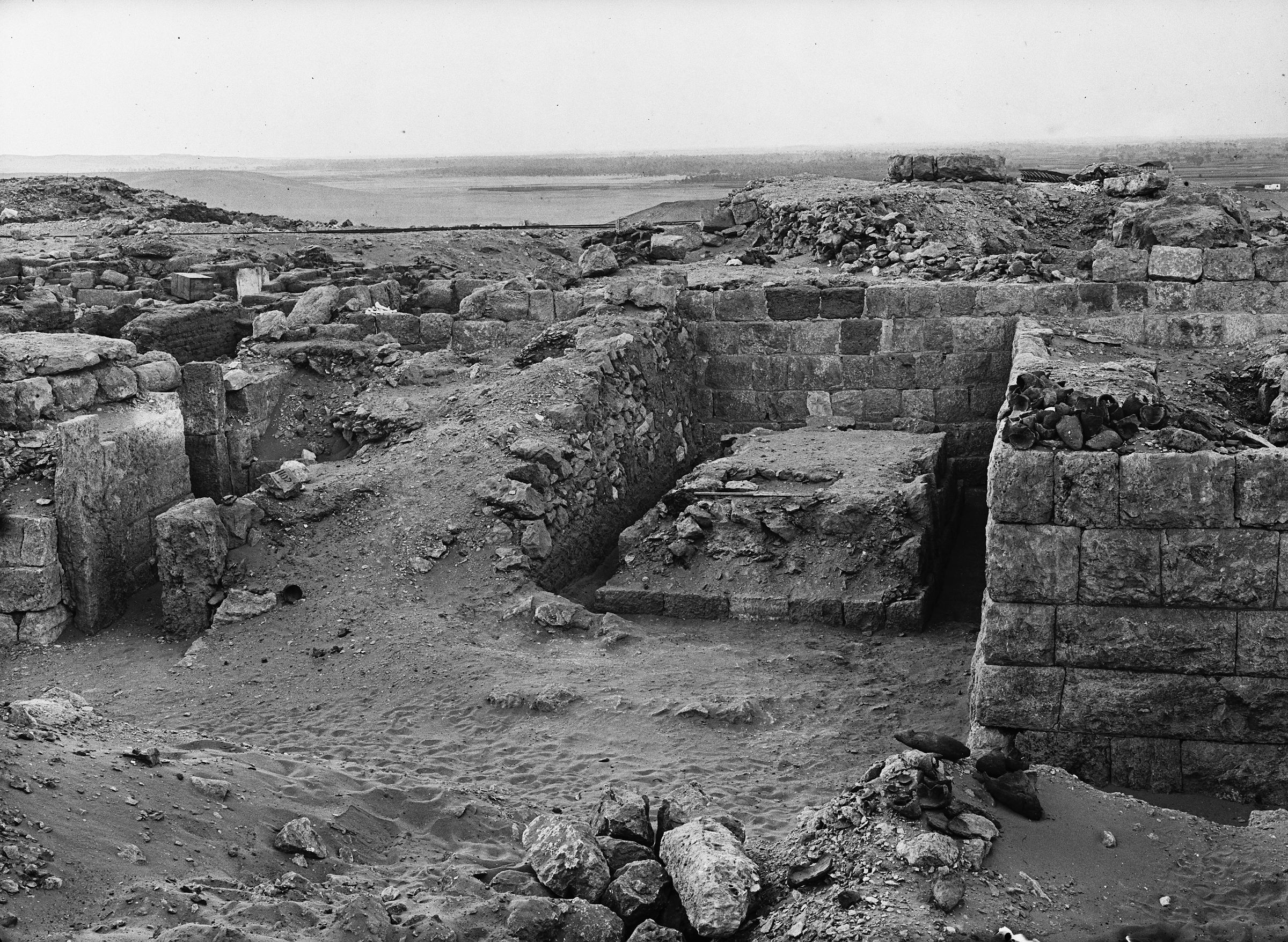 Western Cemetery: Site: Giza; View: G 1020, G 1102, G 1017, G 1016