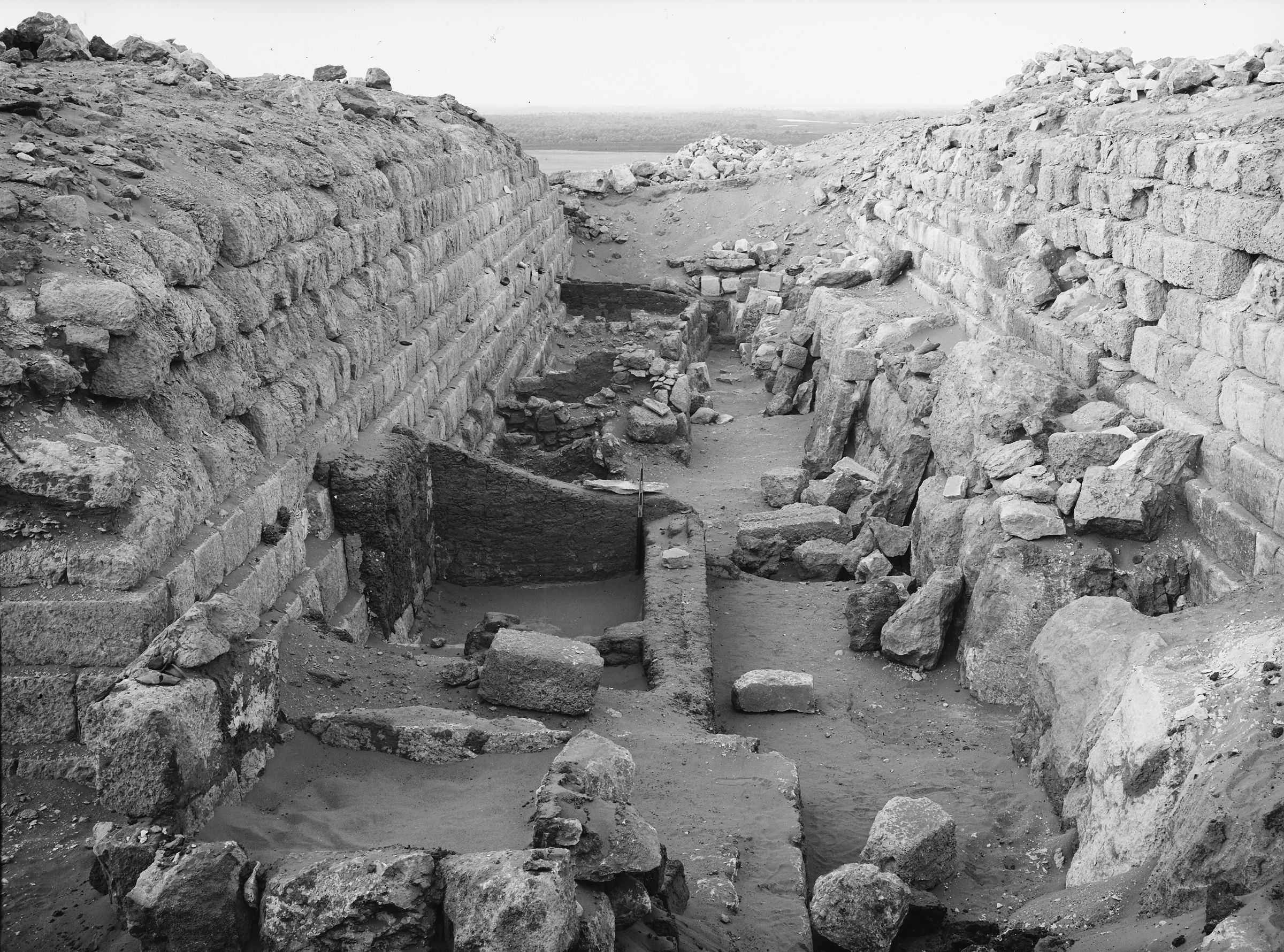 Western Cemetery: Site: Giza; View: G 1216, G 1226, G 1225, G 1227