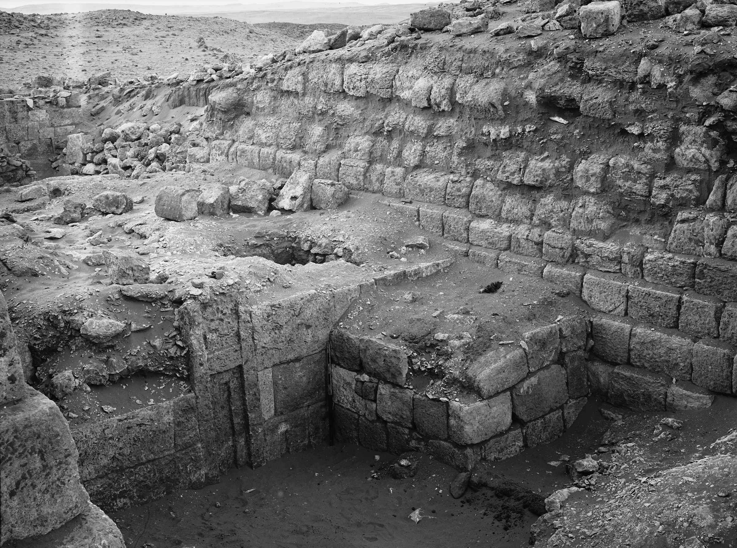Western Cemetery: Site: Giza; View: G 1215, G 1227, G 1214