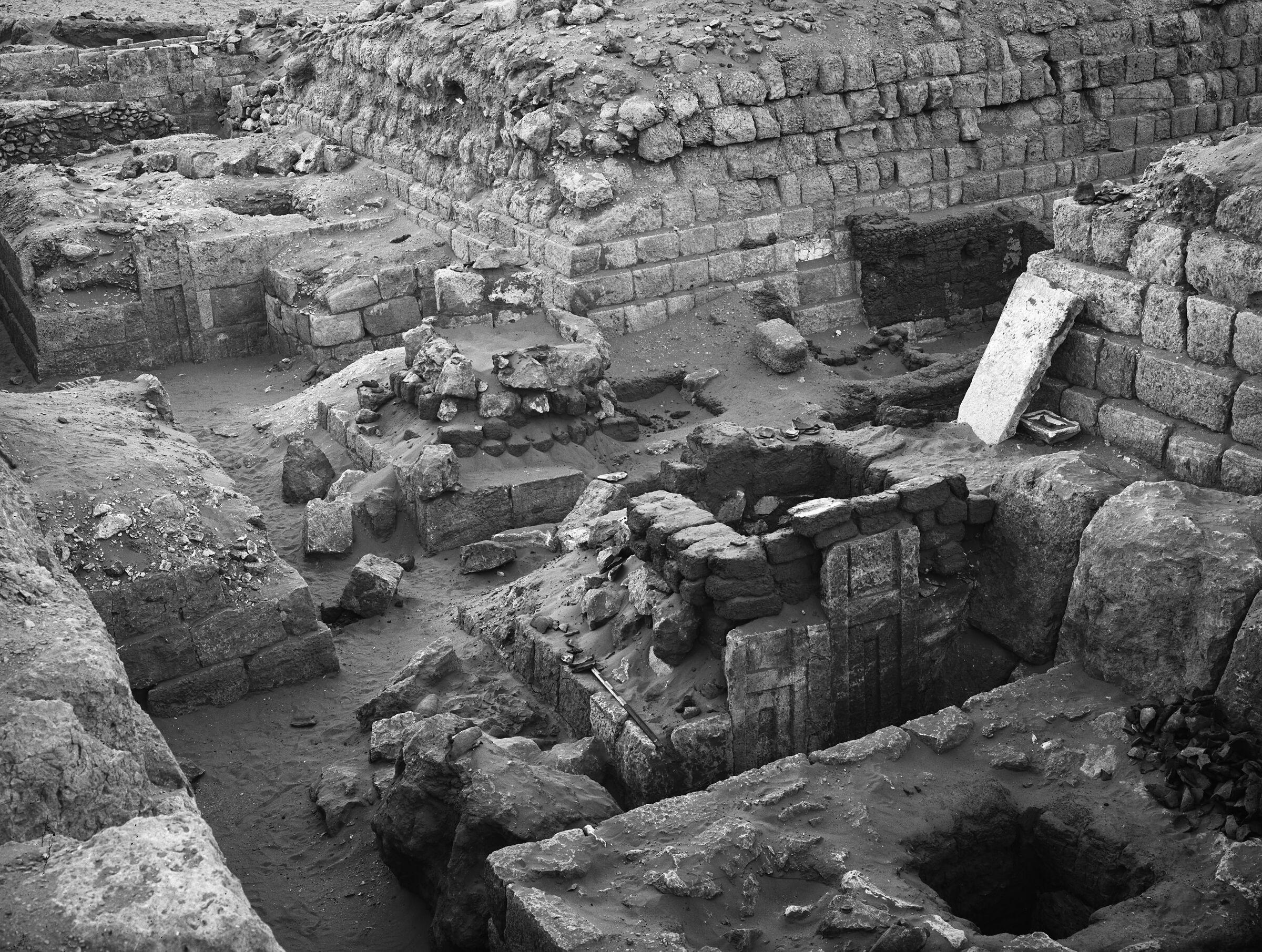 Western Cemetery: Site: Giza; View: G 1219, G 1218, G 1225, G 1217, G 1216, G 1215, G 1214, G 1227
