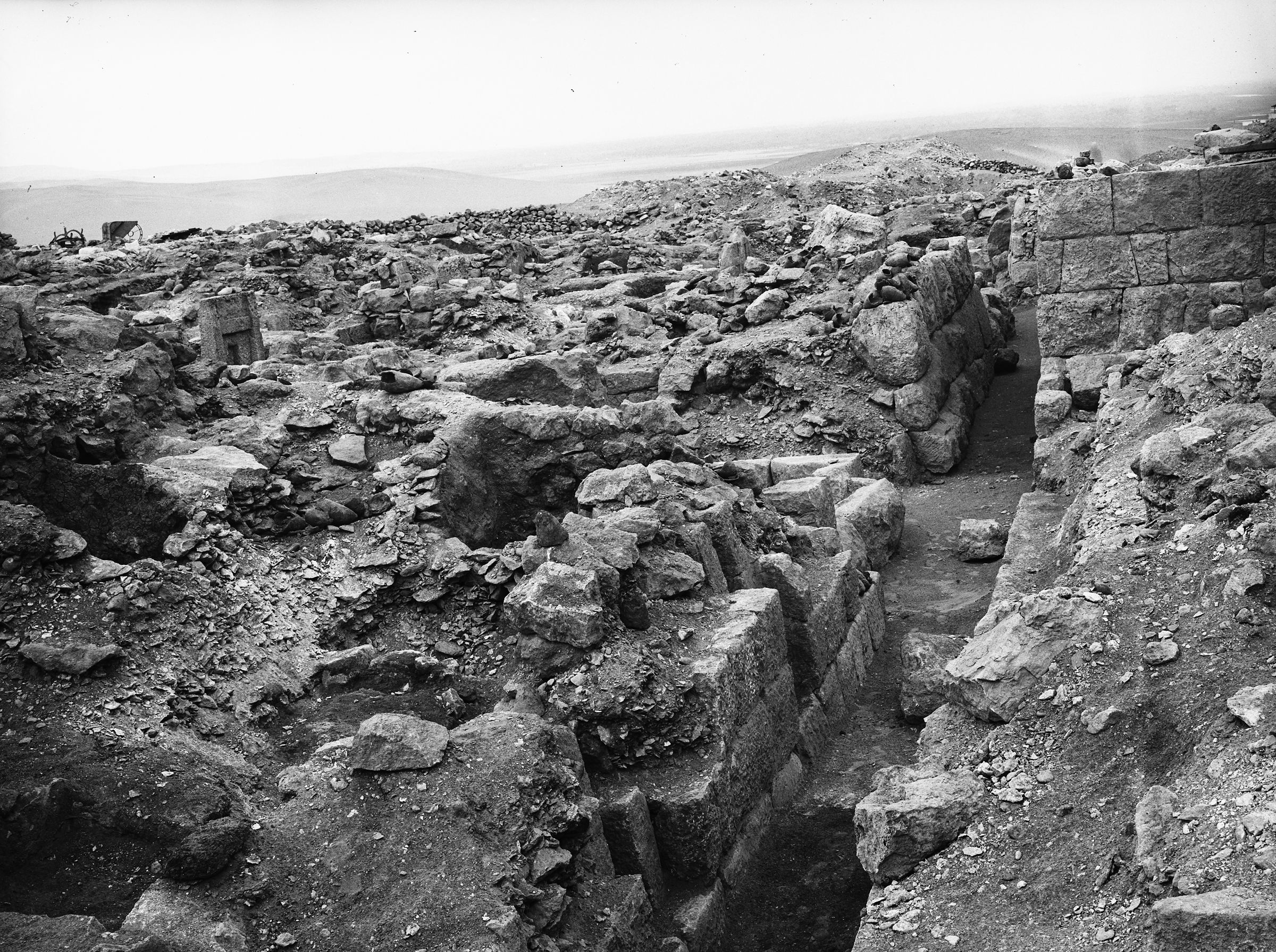 Western Cemetery: Site: Giza; View: G 1025, G 1027, G 1031