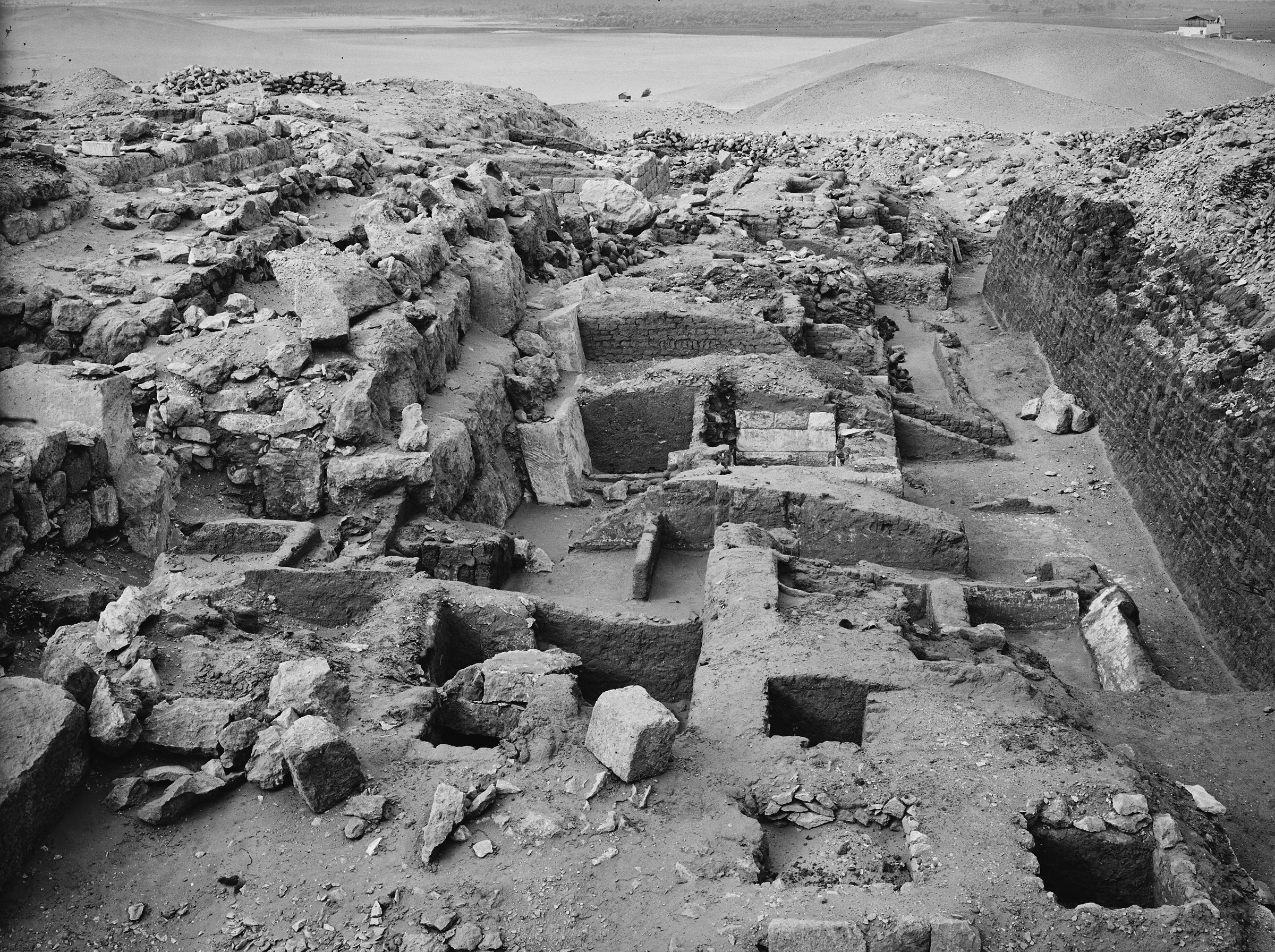Western Cemetery: Site: Giza; View: G 1223, G 1221, G 1224+1311, G 1310, G 1309, G 1308