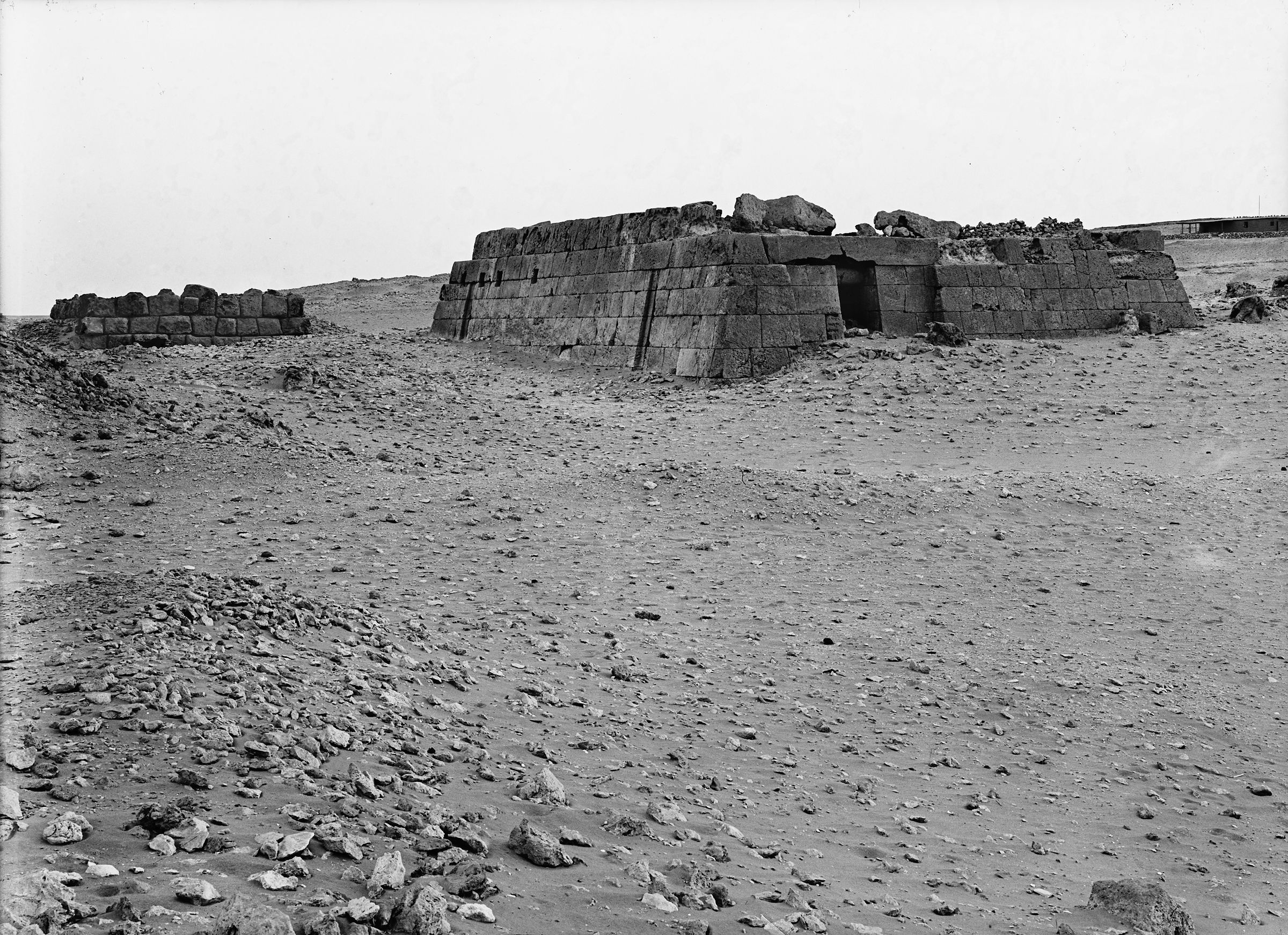 Western Cemetery: Site: Giza; View: Lepsius 14, with part of Hearst Camp/Harvard Camp house in background, to the southwest