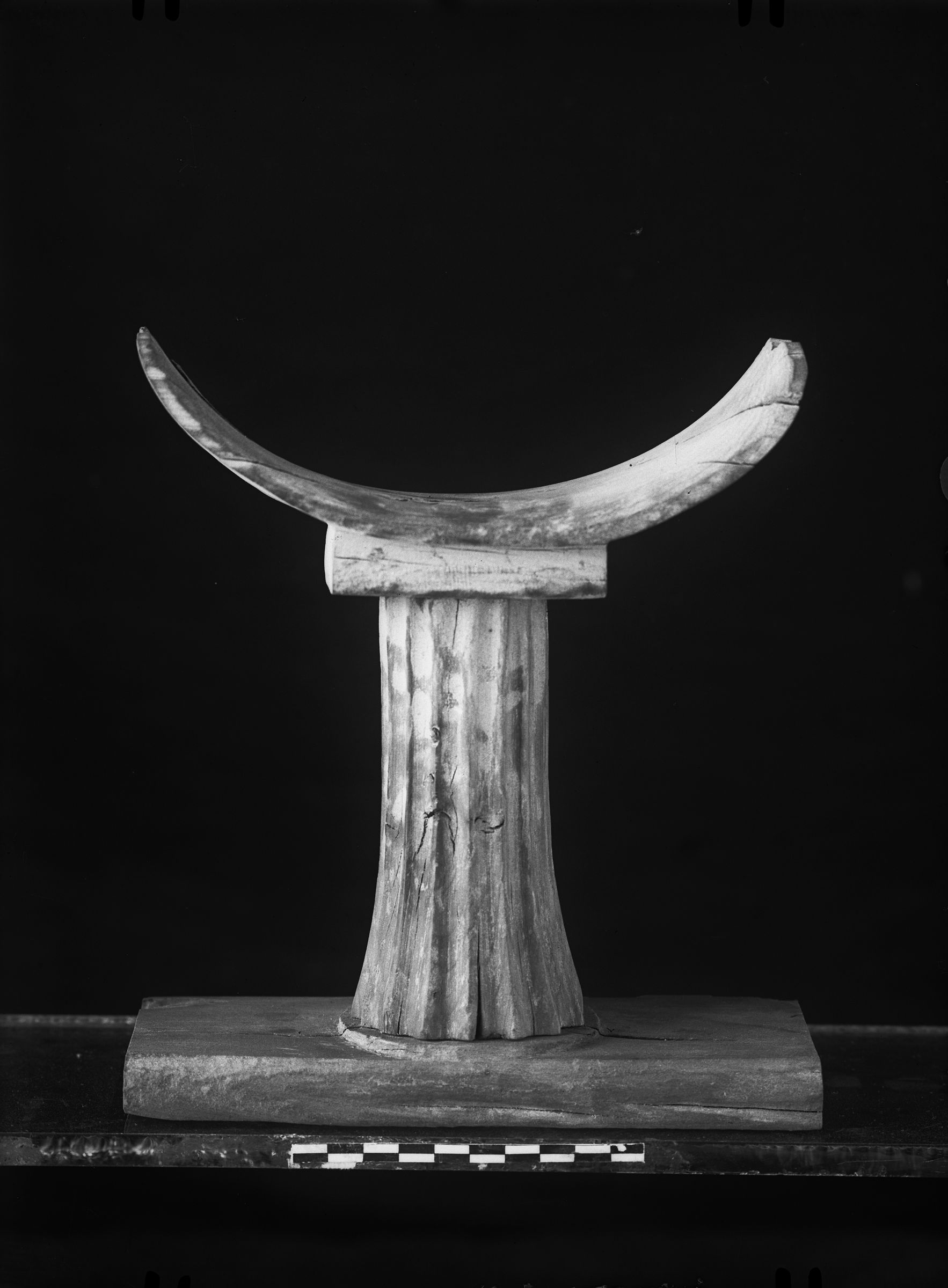 Object(s) photograph: Site: Giza; view: G 2417