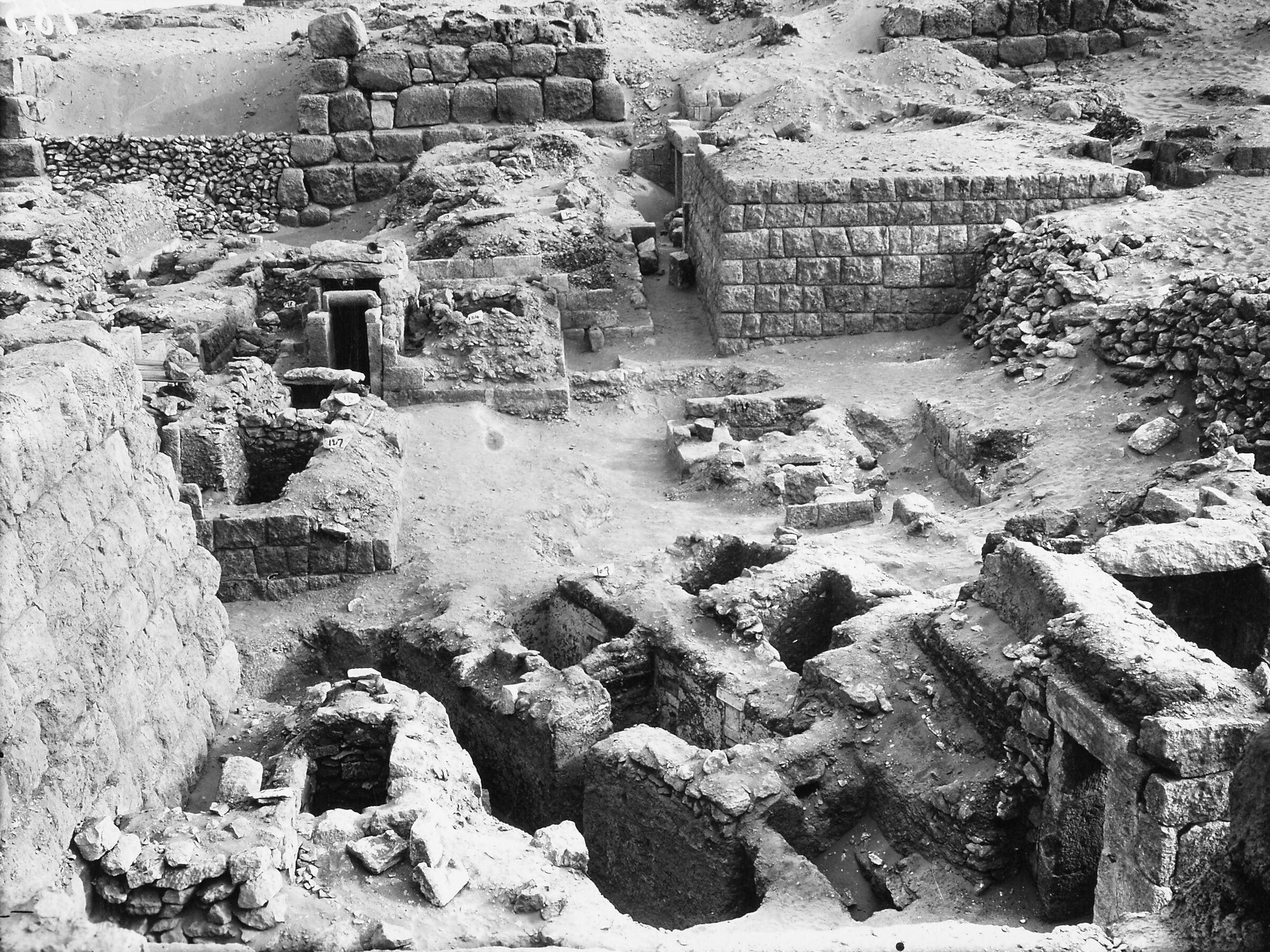 Western Cemetery: Site: Giza; View: Neferen, Khnemu, Weri, D 118, S 111/115, S 128, S 179, S 101/113