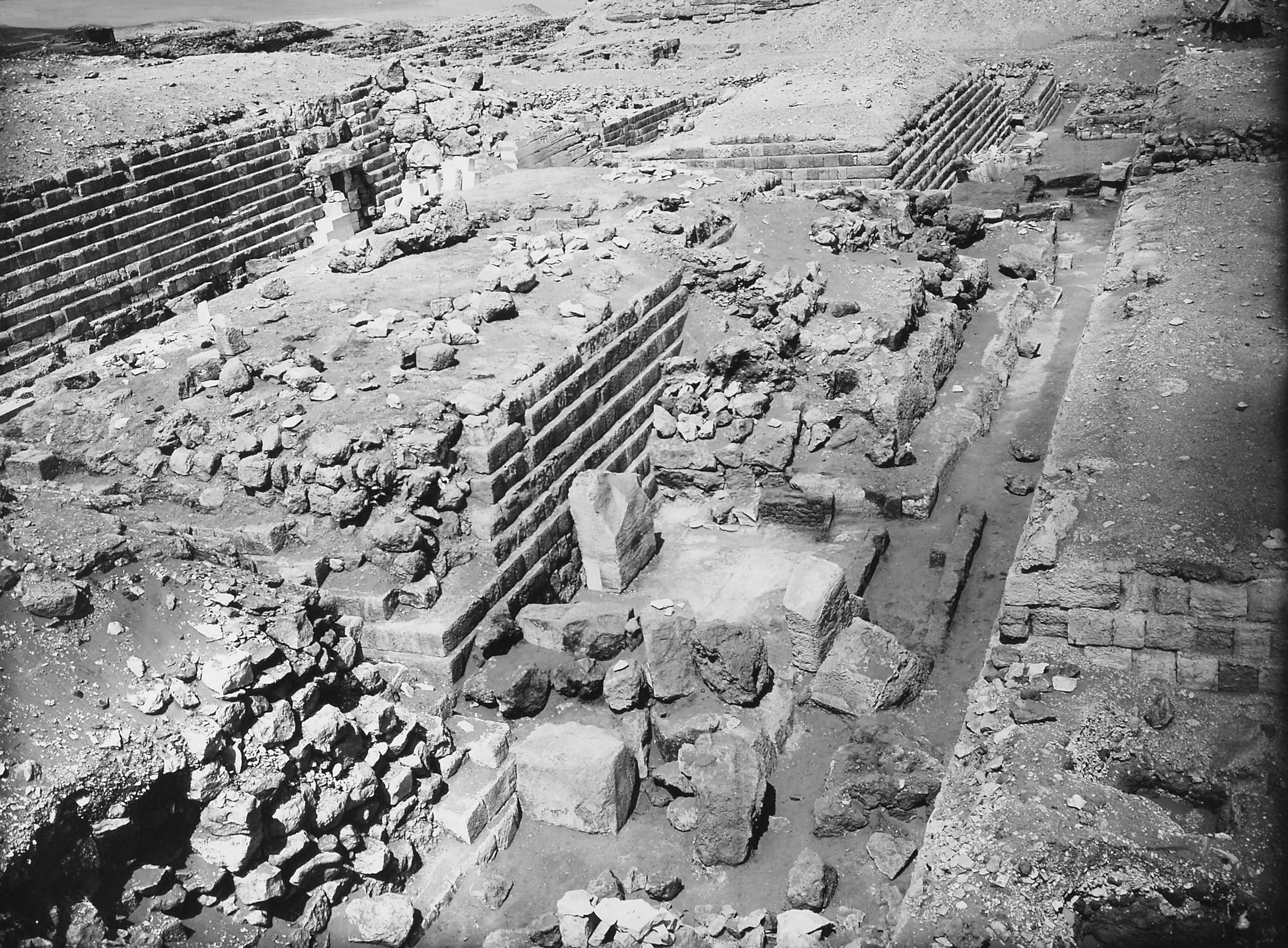 Western Cemetery: Site: Giza; View: G 4150, G 4160, G 4000
