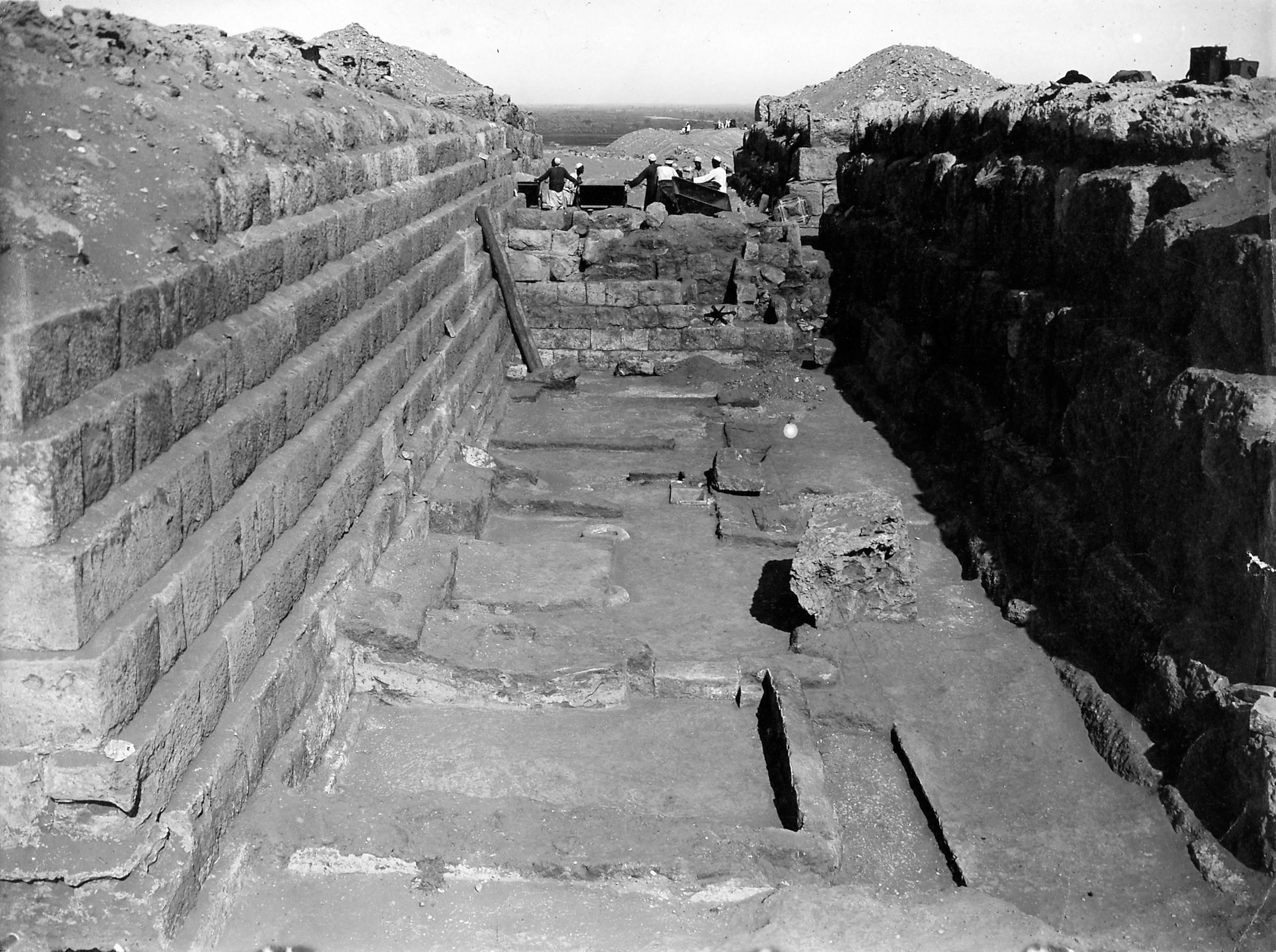 Western Cemetery: Site: Giza; View: G 4350, G 4450, G 4351