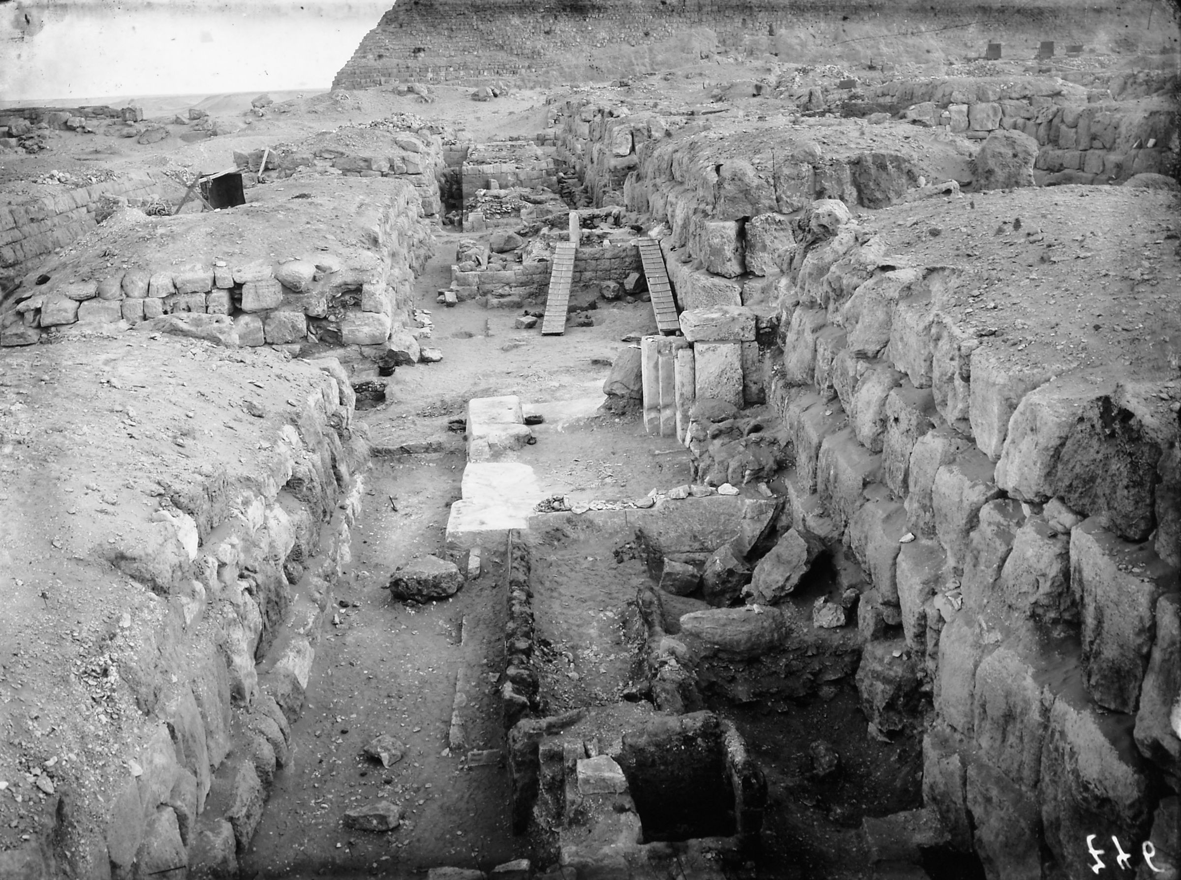 Western Cemetery: Site: Giza; View: G 4750, G 4752