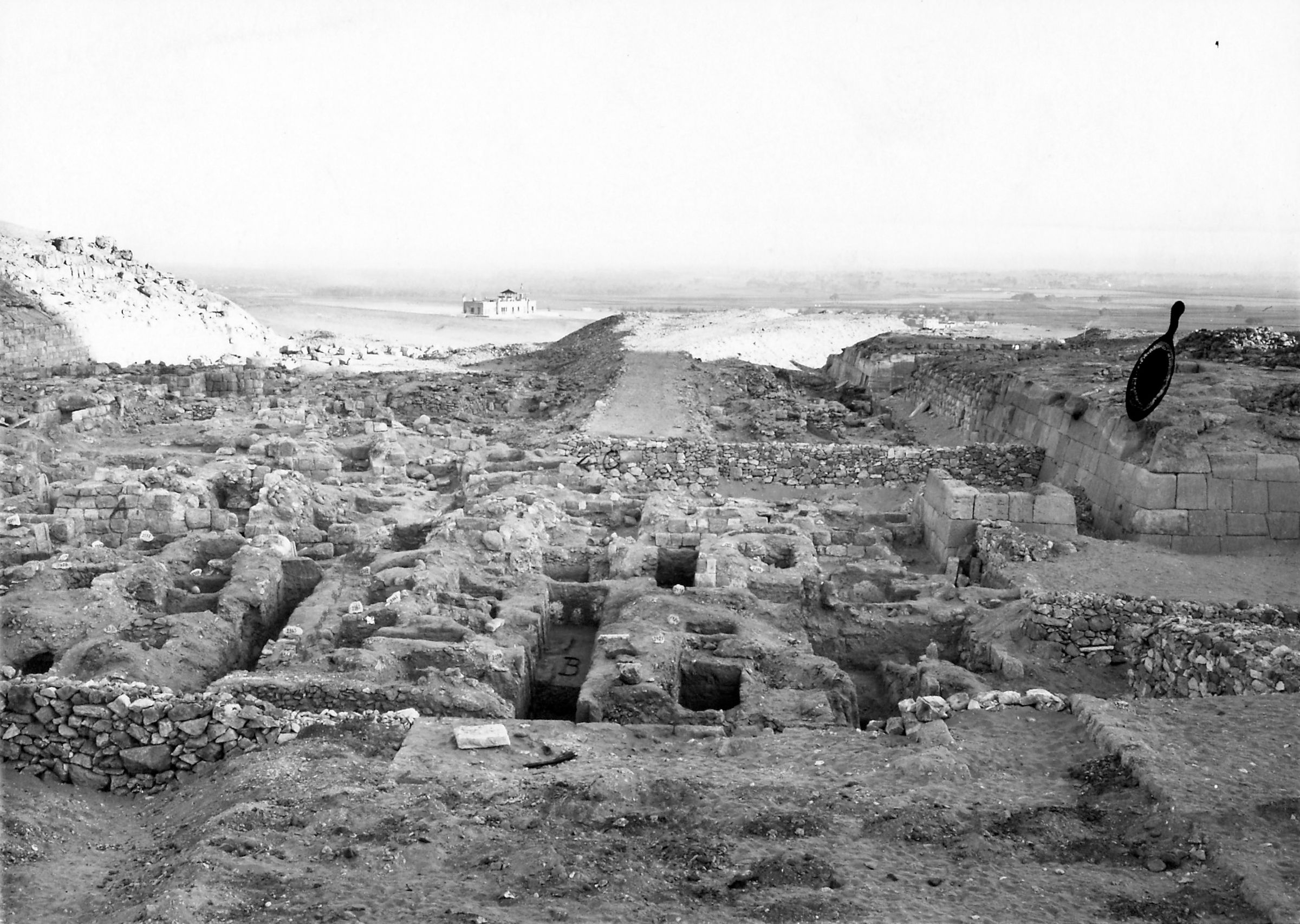 Western Cemetery: Site: Giza; View: S 2350/2397, S 2362/2382 (smr N.N.), S 2420/2421, S 2426