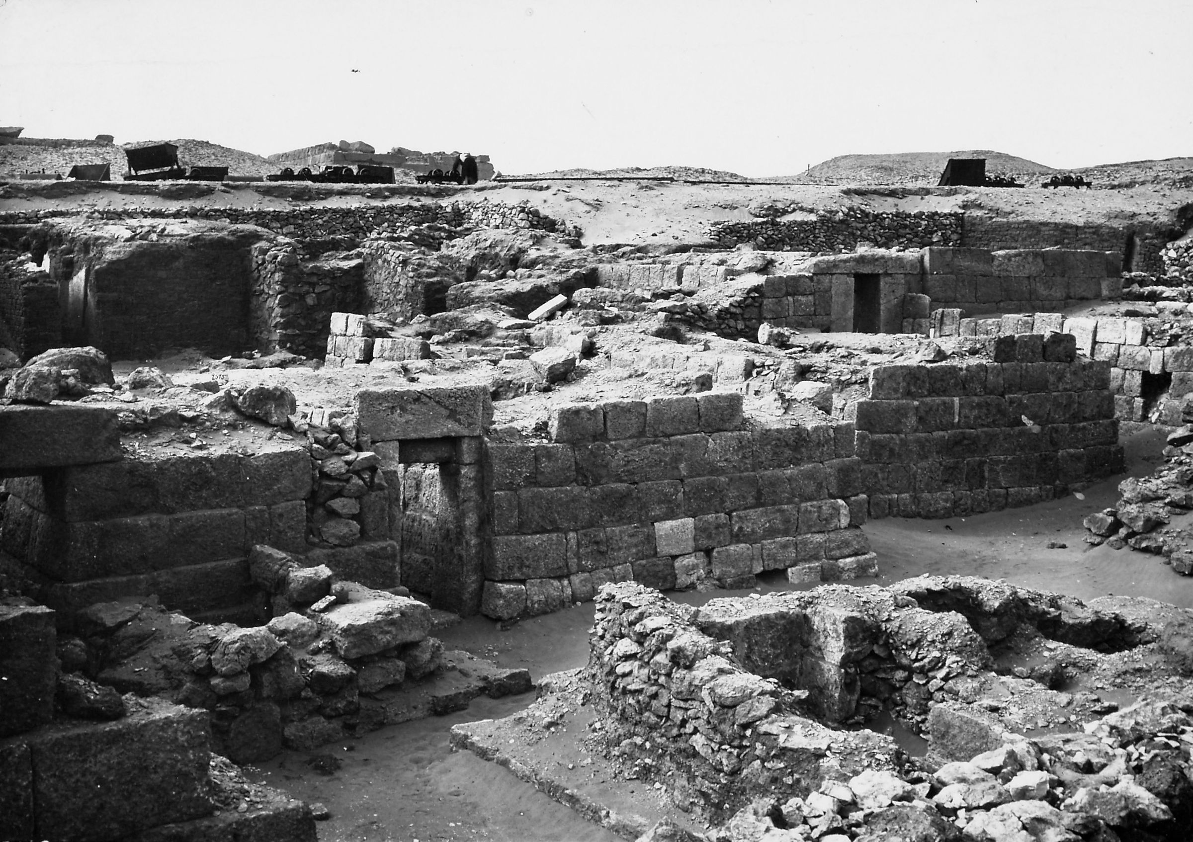 Western Cemetery: Site: Giza; View: S 2497/2516, S 2501/2502, S 2520, S 2517/2518, Inpuhetep