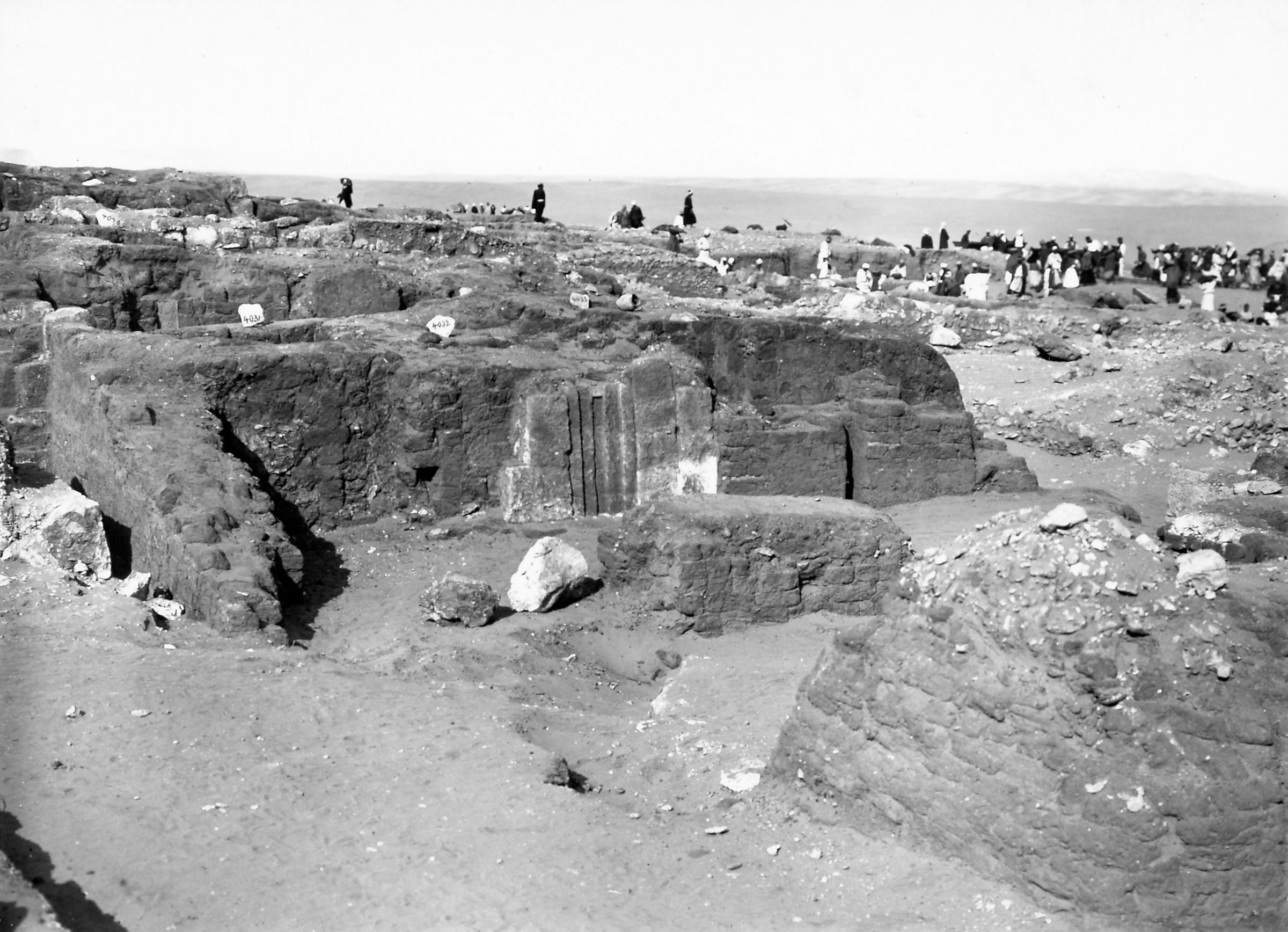Western Cemetery: Site: Gize; View: S 4031/4033