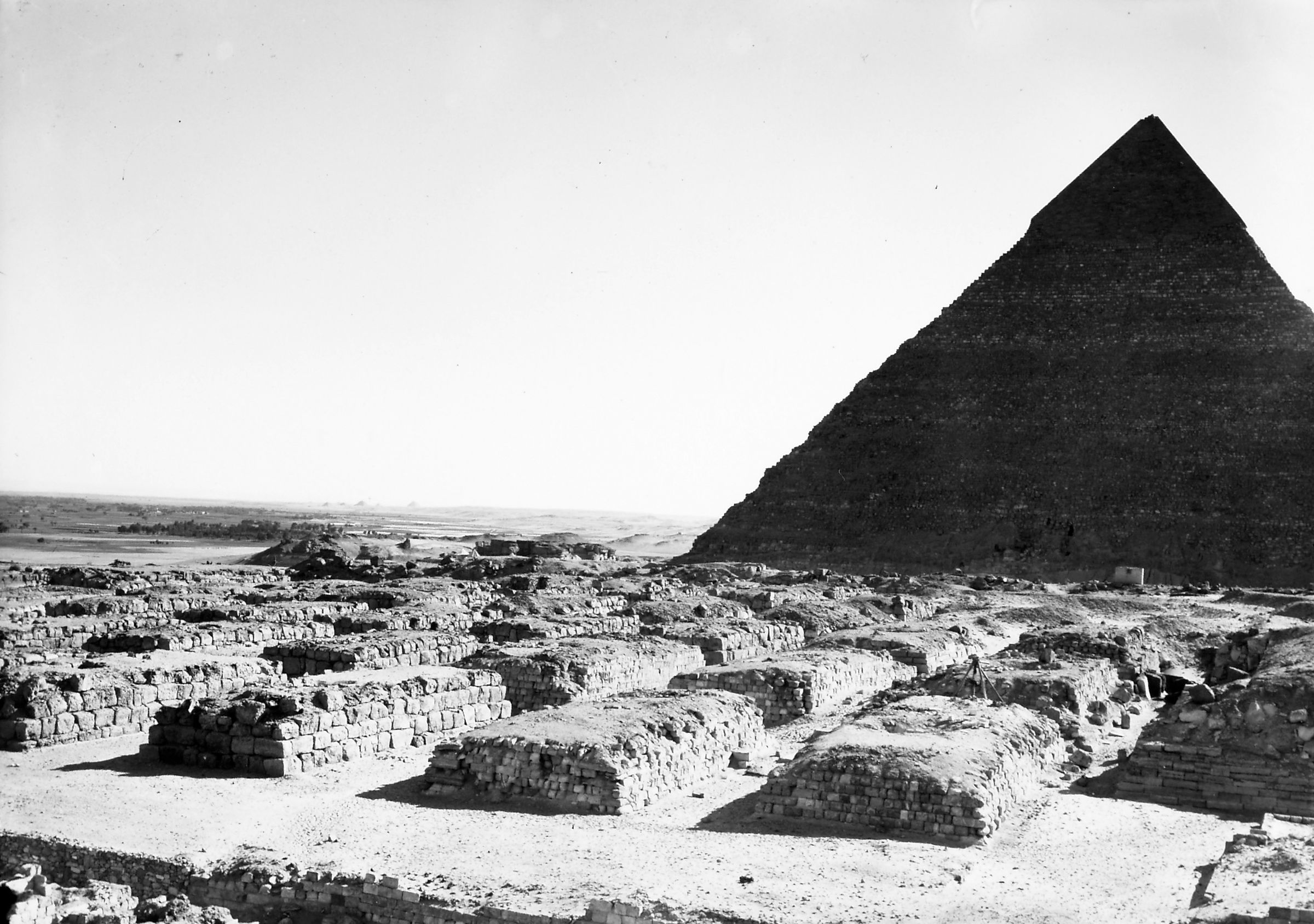 Western Cemetery: Site: Giza; View: G 4160, G 4260, G 4360