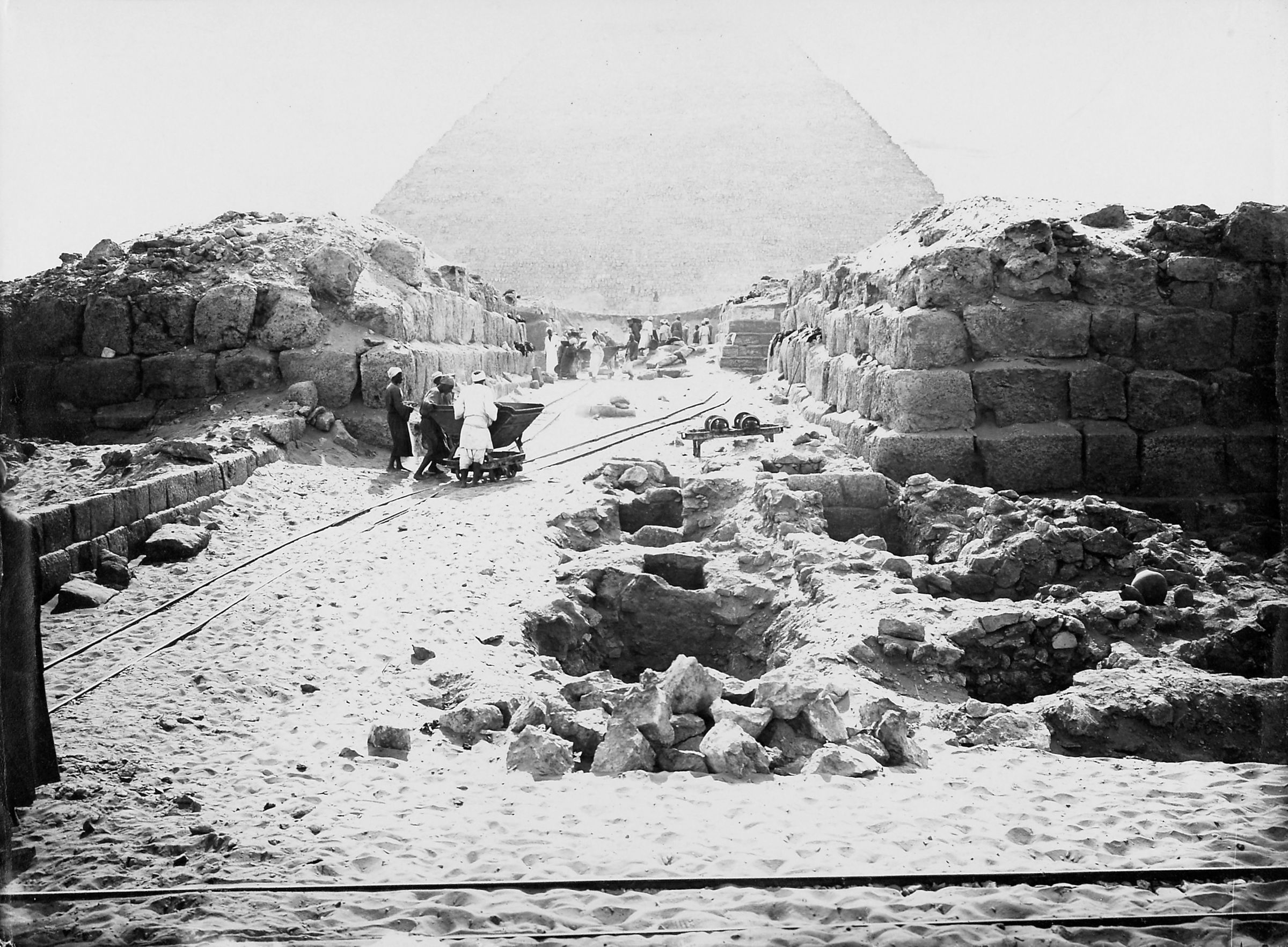 Western Cemetery: Site: Giza; View: D 117, D 116, Nu(?), G 4360, G 4460