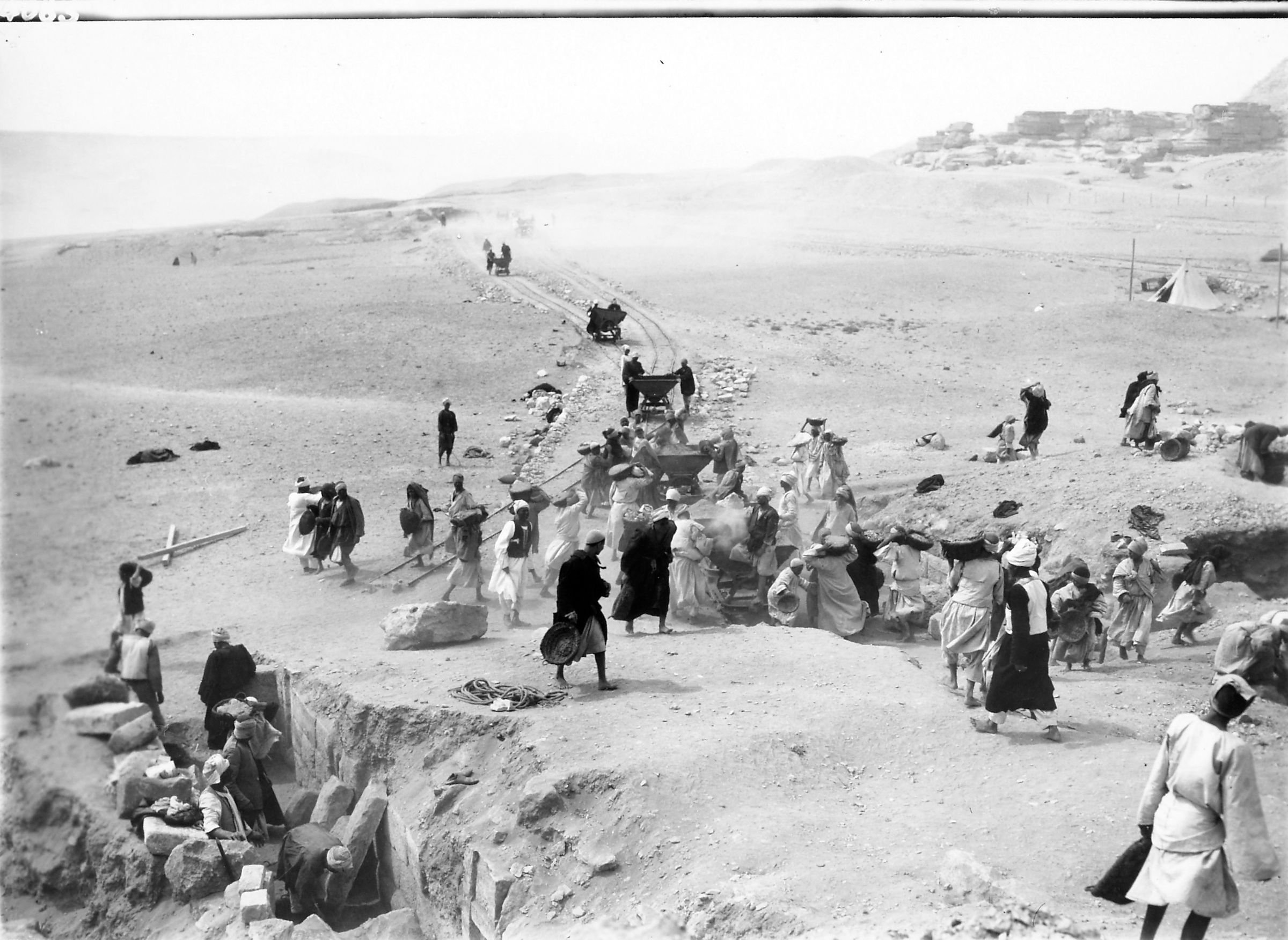 G I-South Cemetery: Site: Giza; View: S 125/157