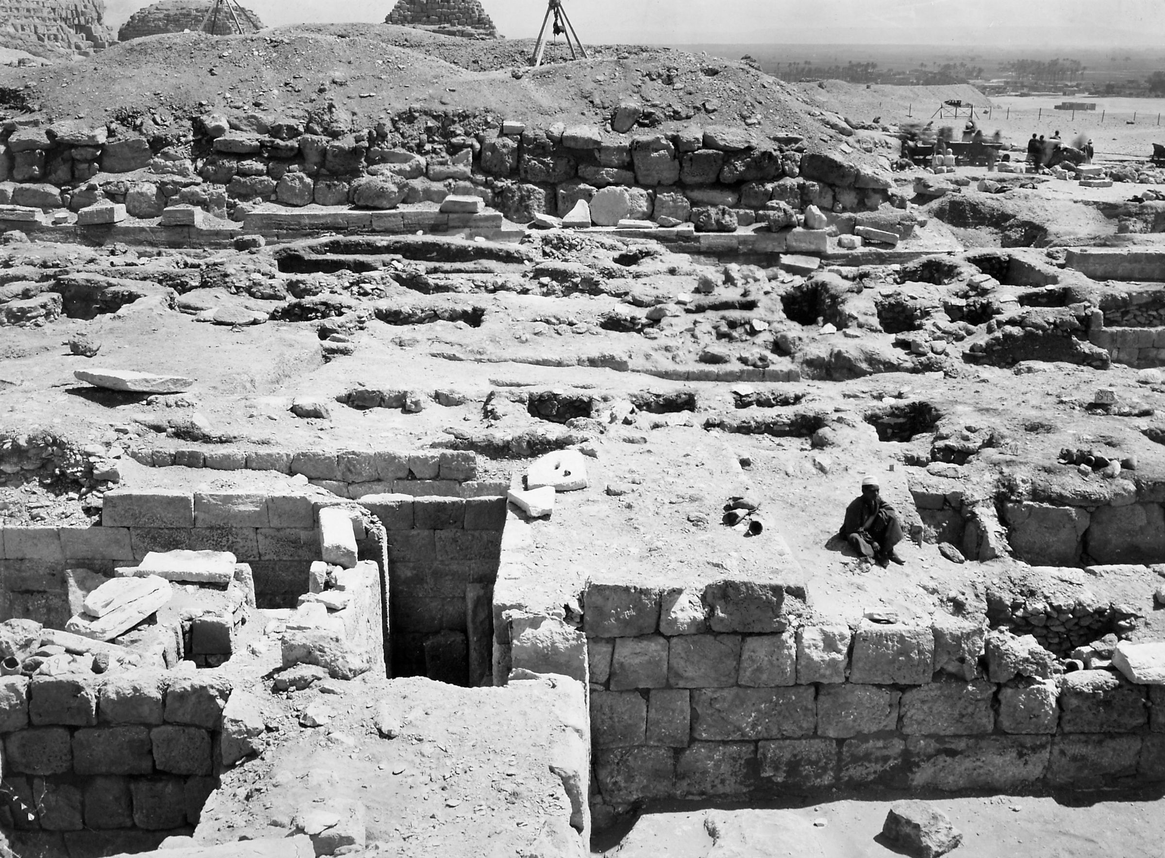 G I-South Cemetery: Site: Giza; View: Itjef, S 33, S 28/97, Mastaba III