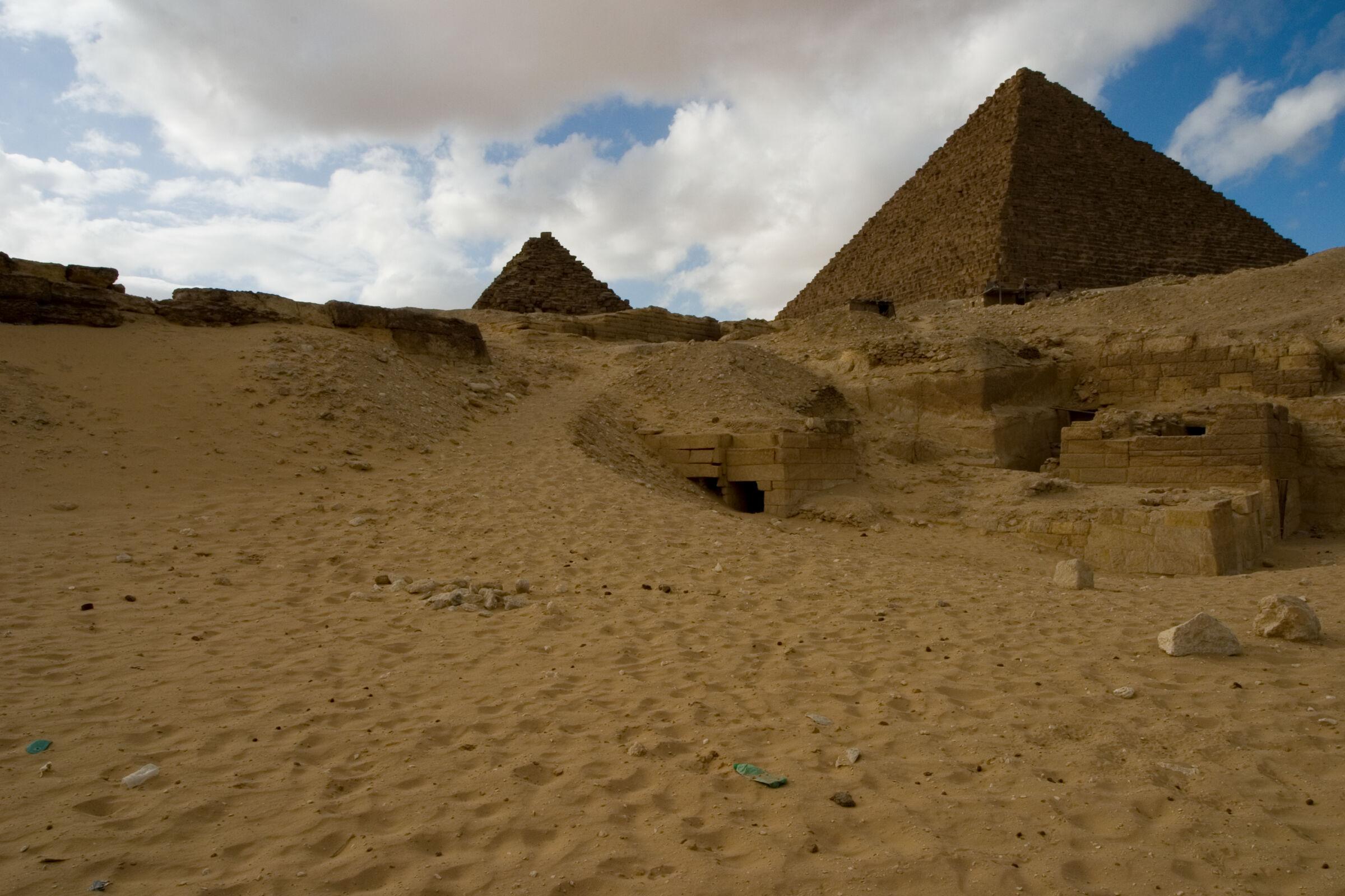 Menkaure quarry cemetery: Site: Giza; View: MQ 1, MQ 134, MQ 120, MQ 124