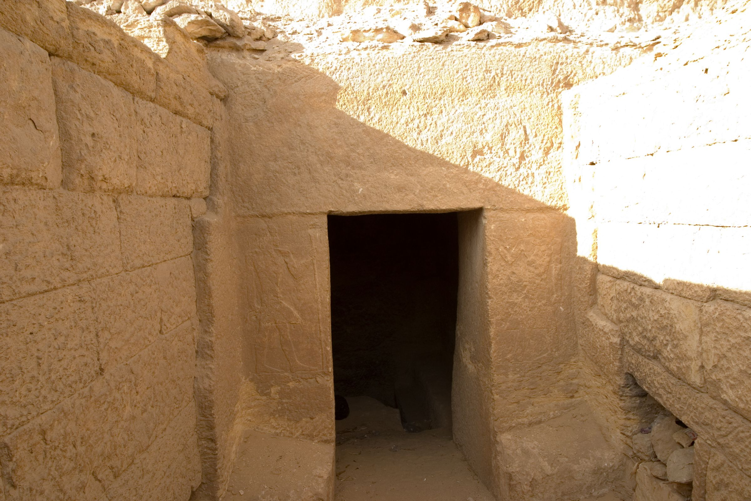 Menkaure quarry cemetery: Site: Giza; View: G 8496