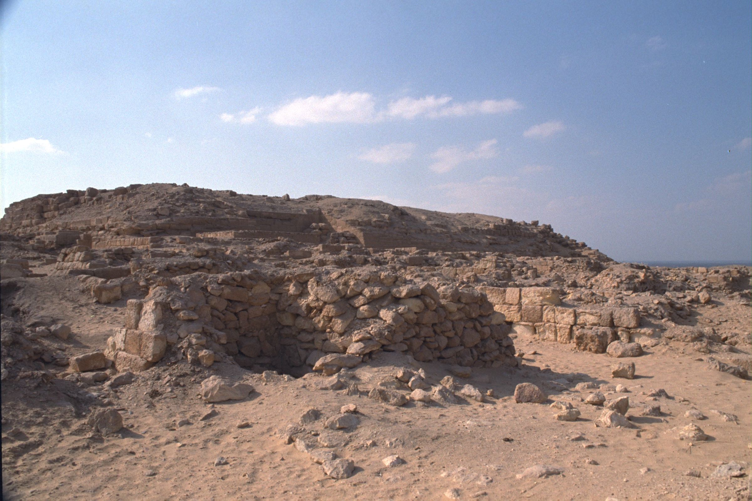 Western Cemetery: Site: Giza; View: G 2015, G 2016, G 2000