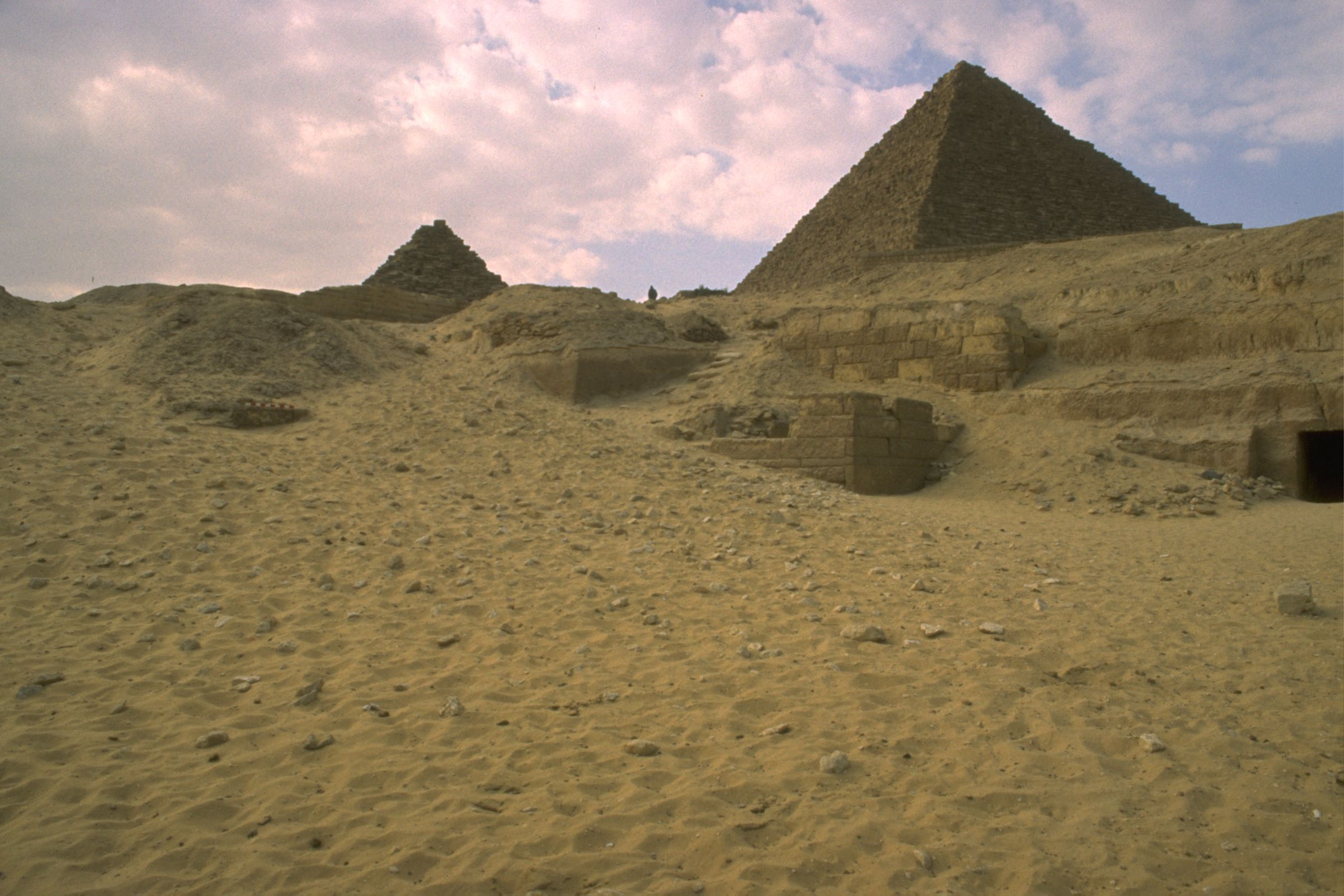 Menkaure Quarry Cemetery: Site: Giza: View: MQ 105, MQ 120, MQ 121