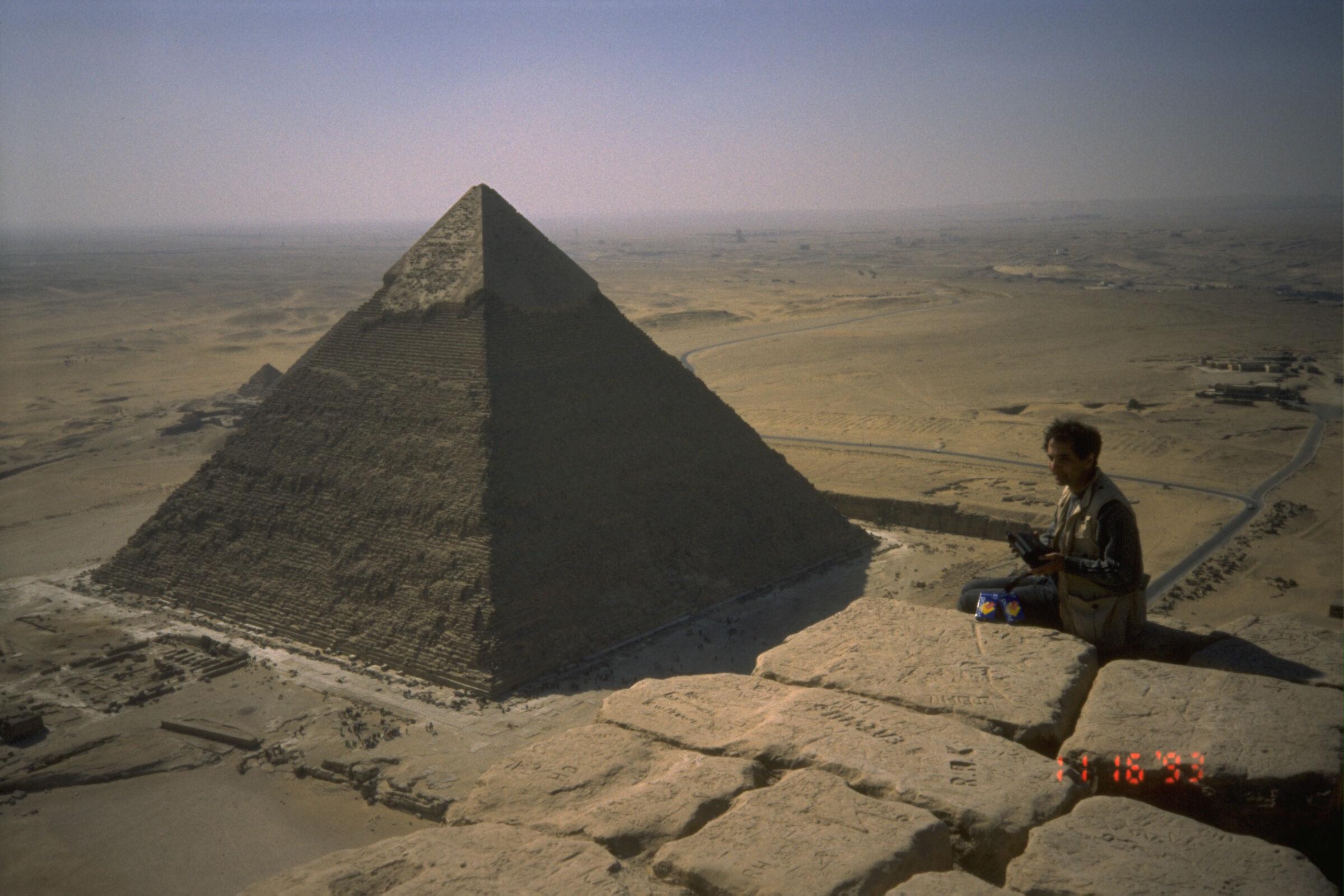 People & places: Site: Giza; View: Khufu pyramid, Khafre pyramid