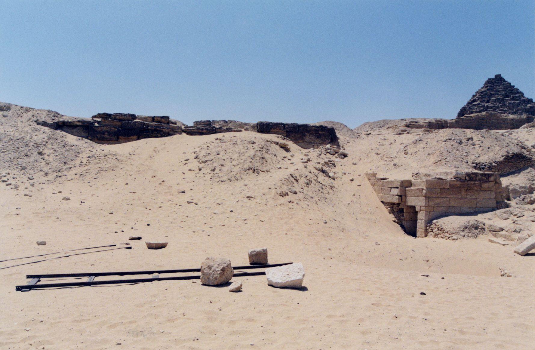 Menkaure Quarry Cemetery: Site: Giza; View: MQ 1, MQ 123