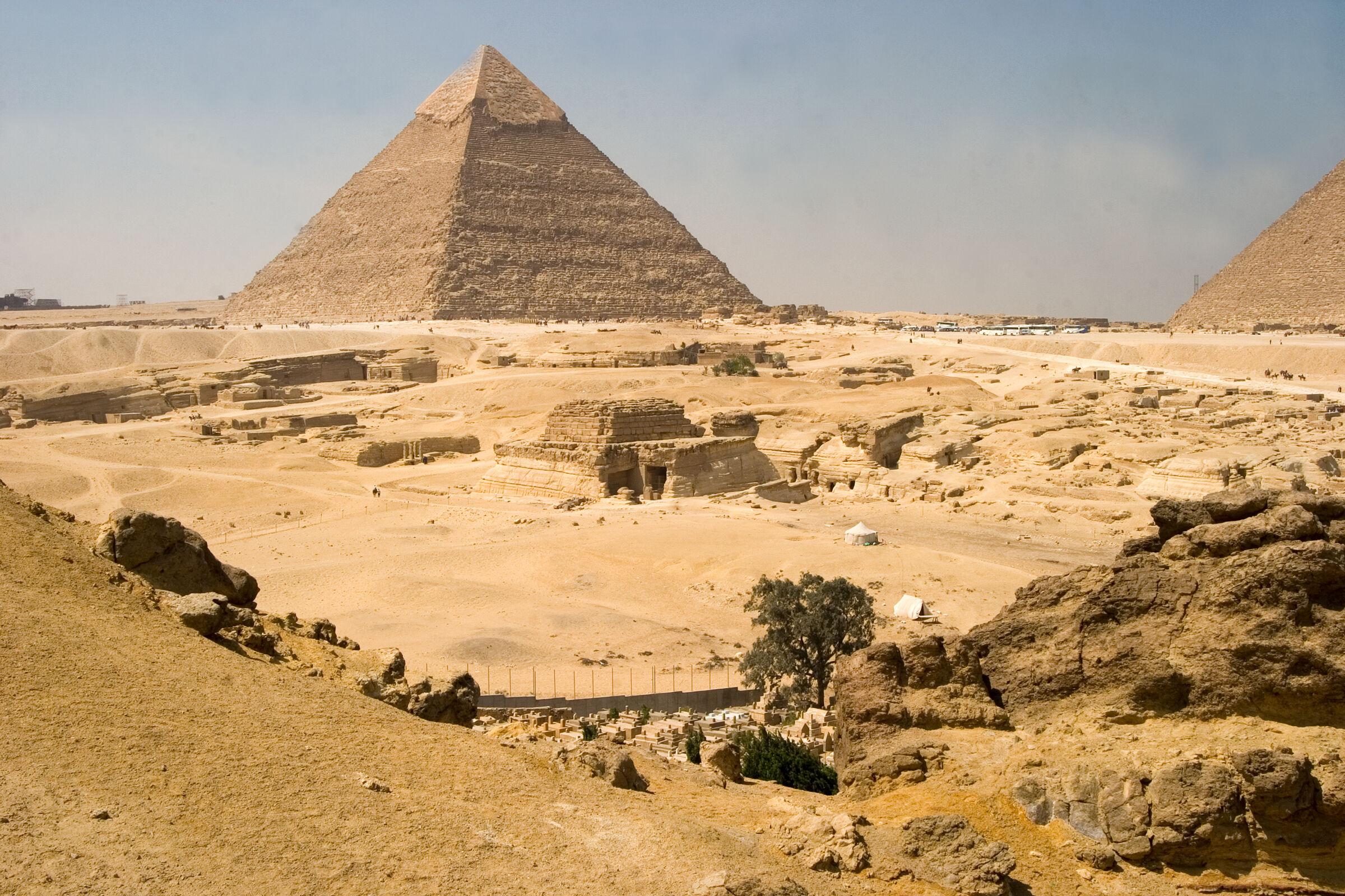 General view: Site: Giza; View: G 8400, Khafre pyramid
