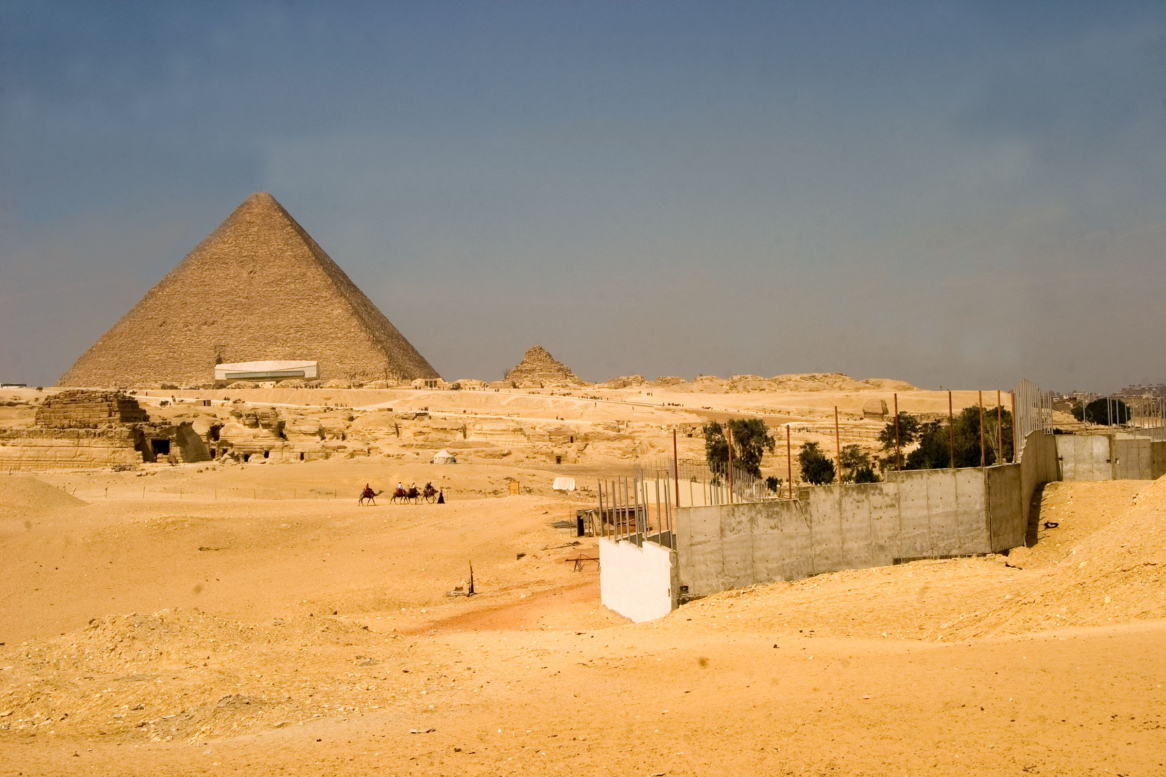 General view: Site: Giza; View: G 8400, Khufu pyramid