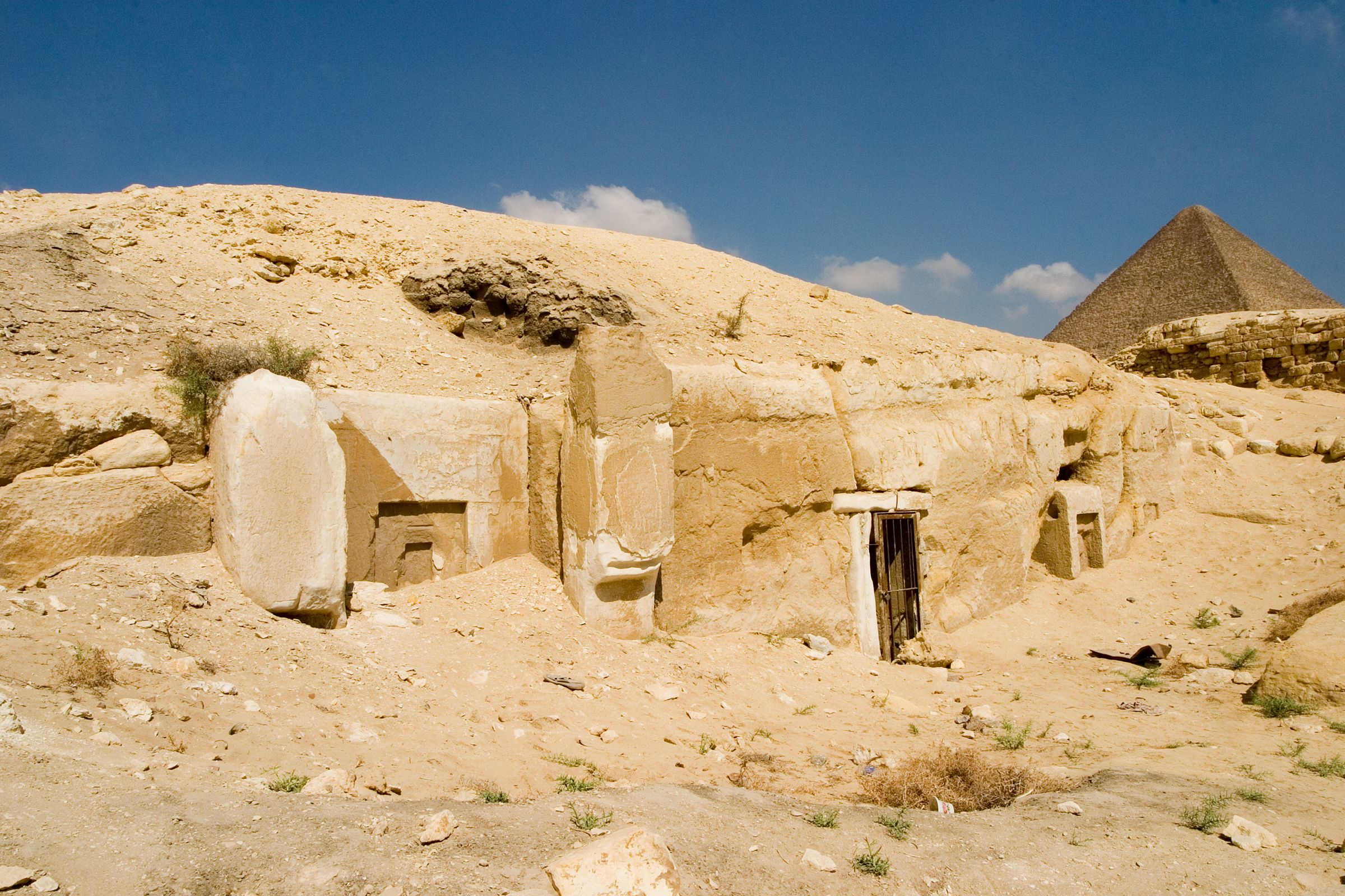 Central Field (Hassan): Site: Giza; View: G 8934