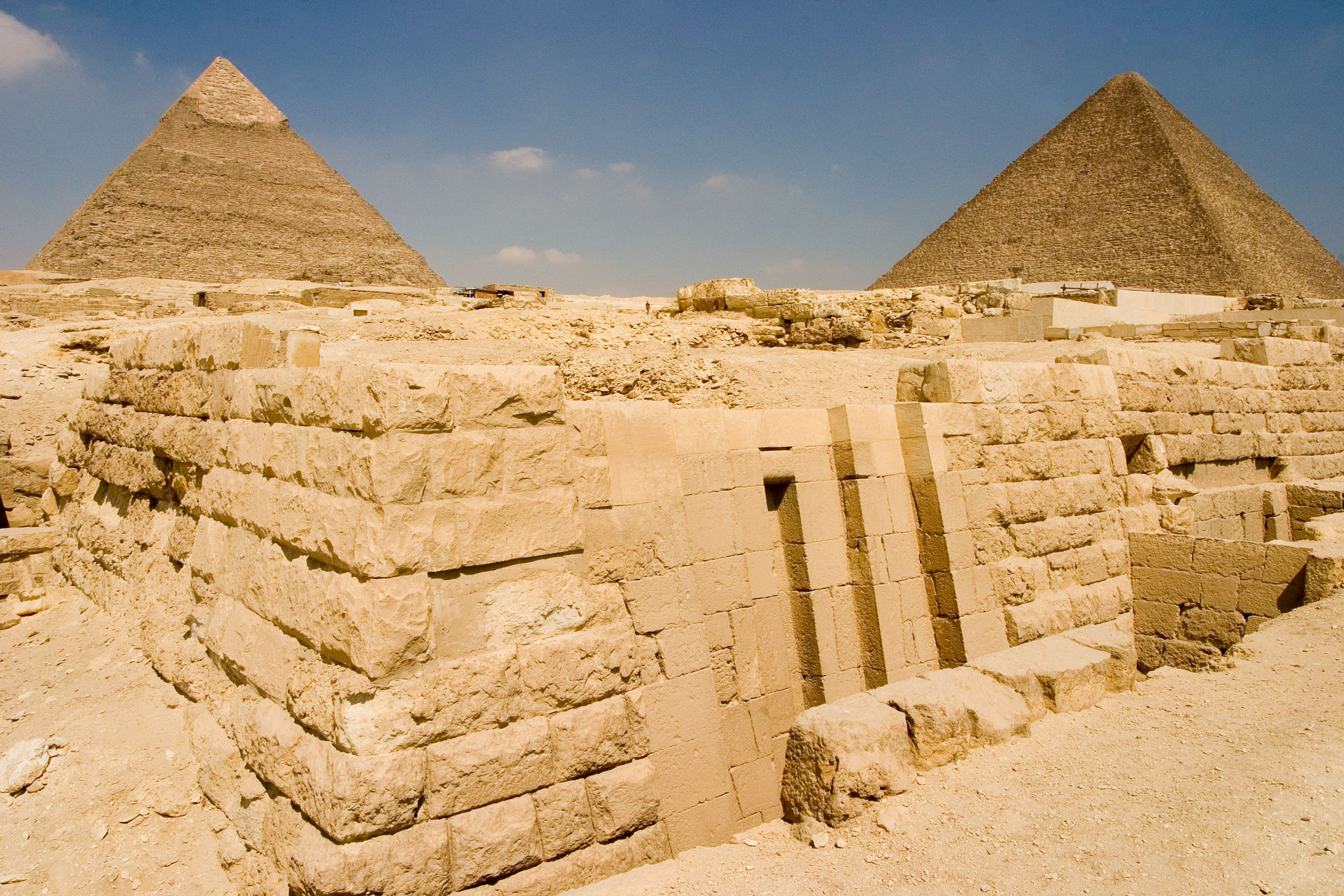 Central Field (Hassan): Site: Giza; View: G 8991