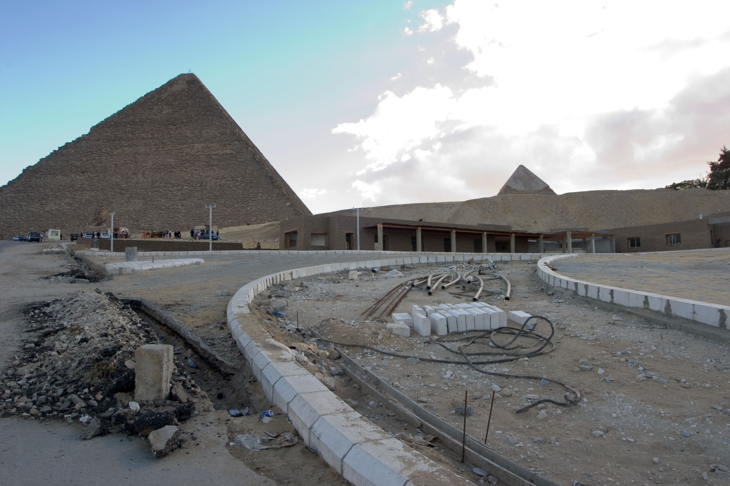 General view/misc.: Site: Giza; View: Khufu pyramid, SCA antiquities admission buildings