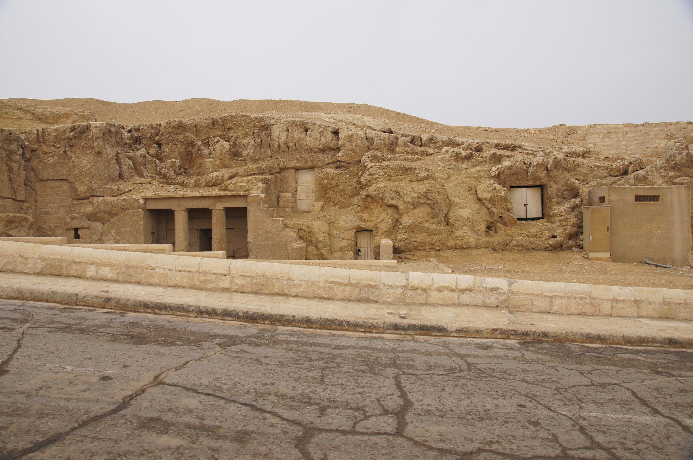 Sphinx Complex: Site: Giza; View: G 9090, G 9080
