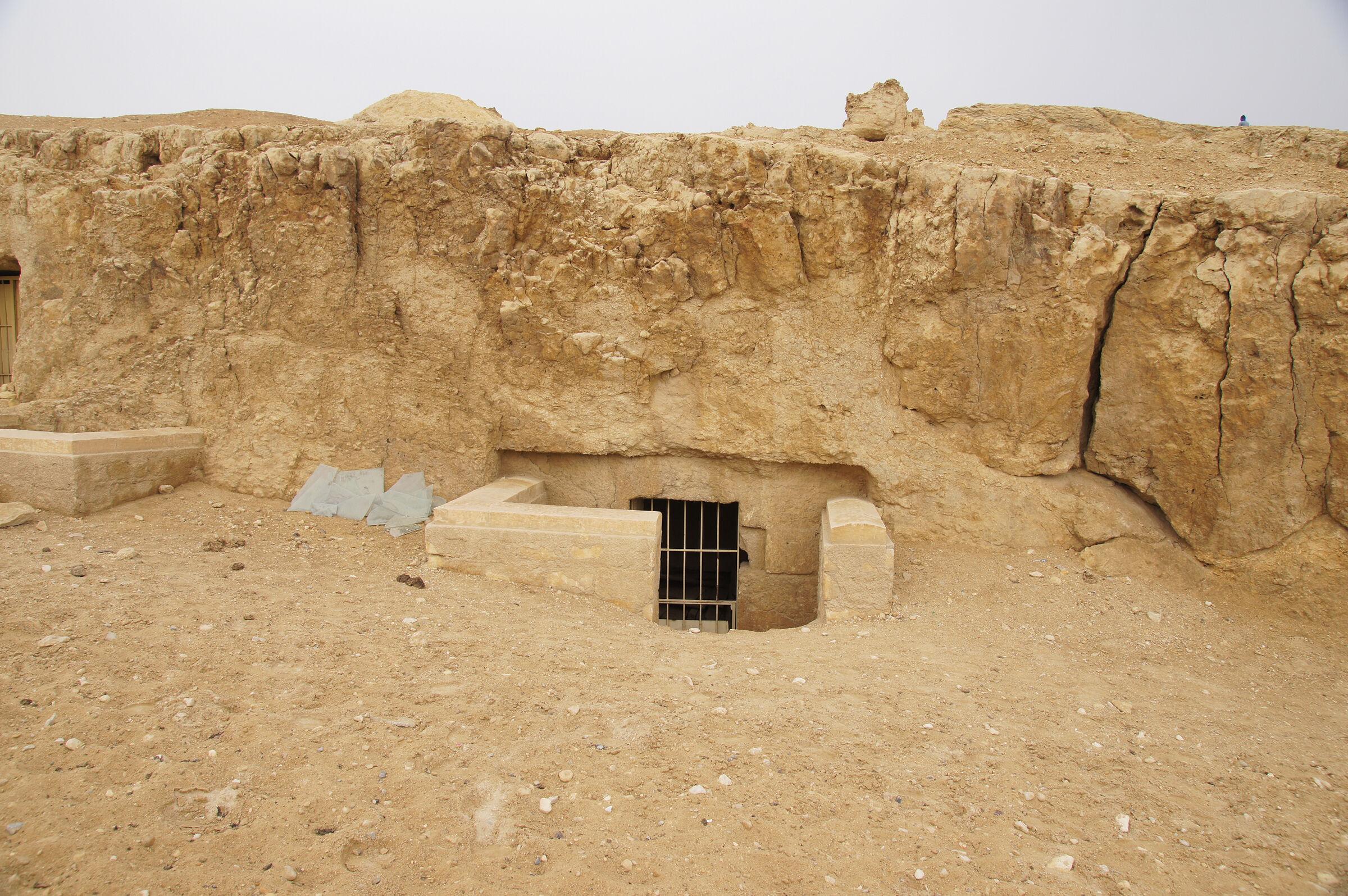 Sphinx Complex: Site: Giza; View: G 9130, G 9120