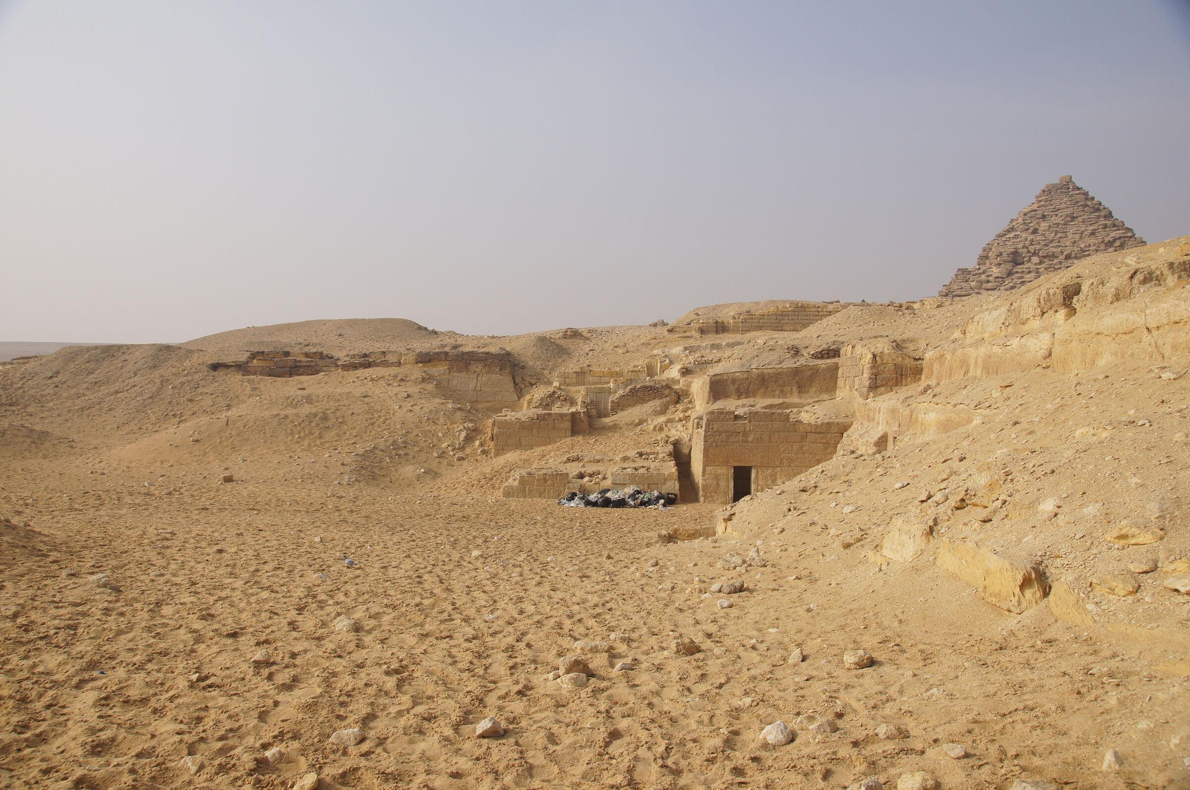 Menkaure Quarry Cemetery: Site: Giza; View: MQ 1, MQ 136, MQ 123, MQ 106, MQ 105, MQ 134, MQ 120, MQ 121, MQ 130, MQ 132, MQ 133