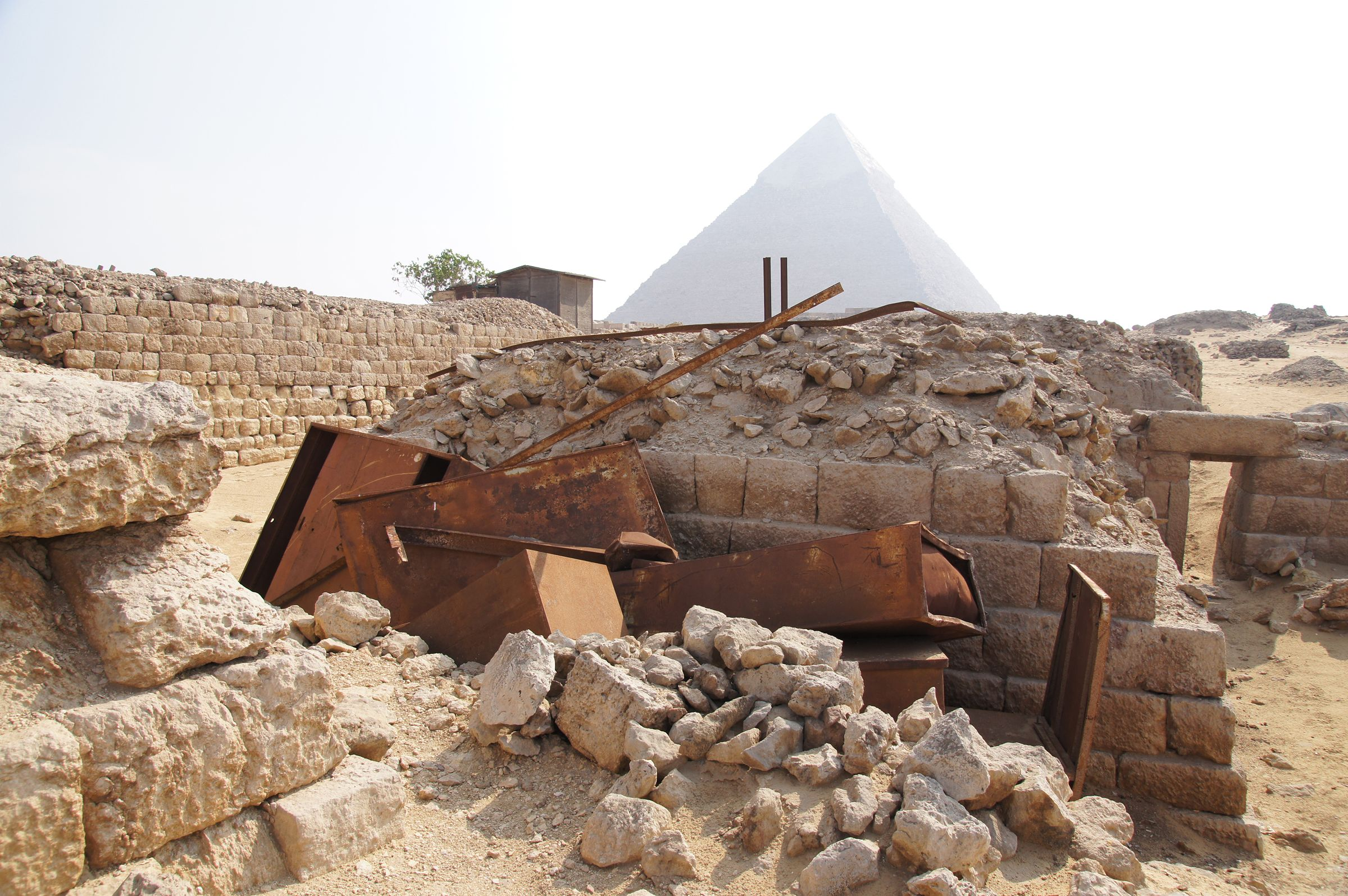 Western Cemetery: Site: Giza; View: G 1201, S 2539/2541, S 2494/2514, Khafre Pyramid