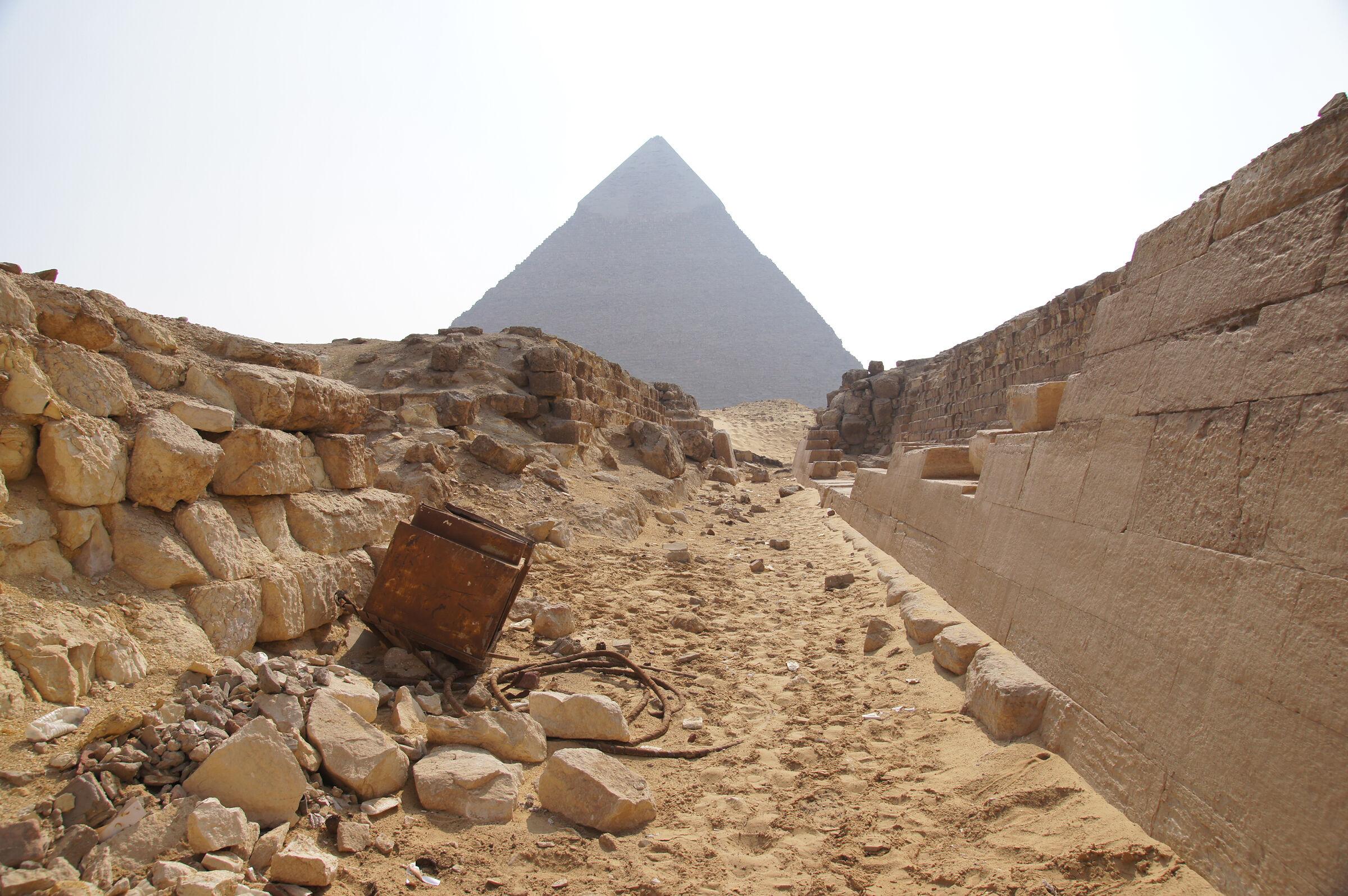 Western Cemetery: Site: Giza; View: G 4140, G 4150, G 4160, G 4000, Khafre Pyramid
