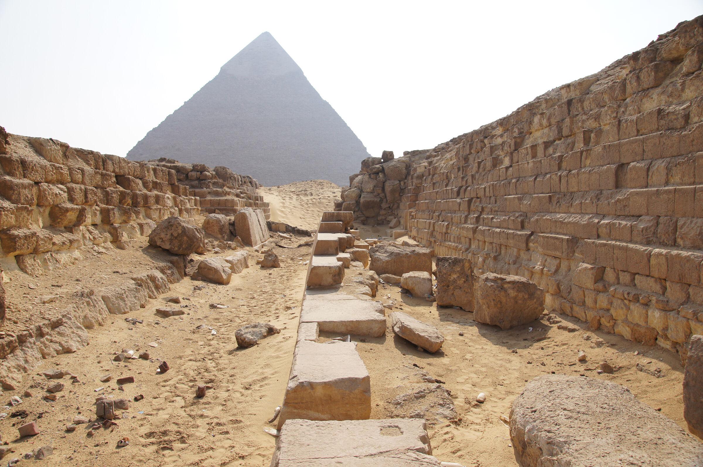 Western Cemetery: Site: Giza; View: G 4140, G 4150, G 4000, Khafre Pyramid