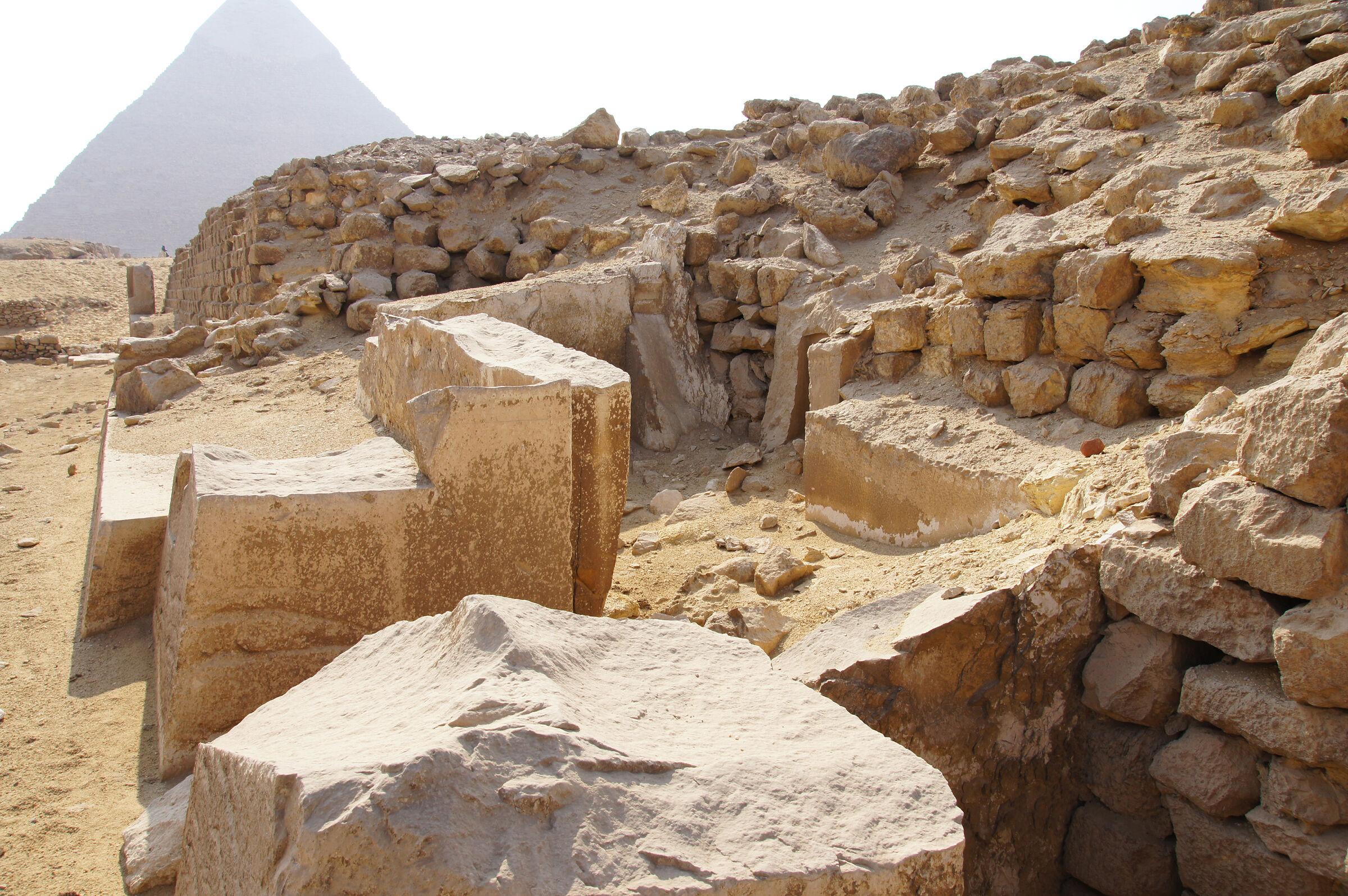 Western Cemetery: Site: Giza; View: G 2130, G 2120, Khafre Pyramid