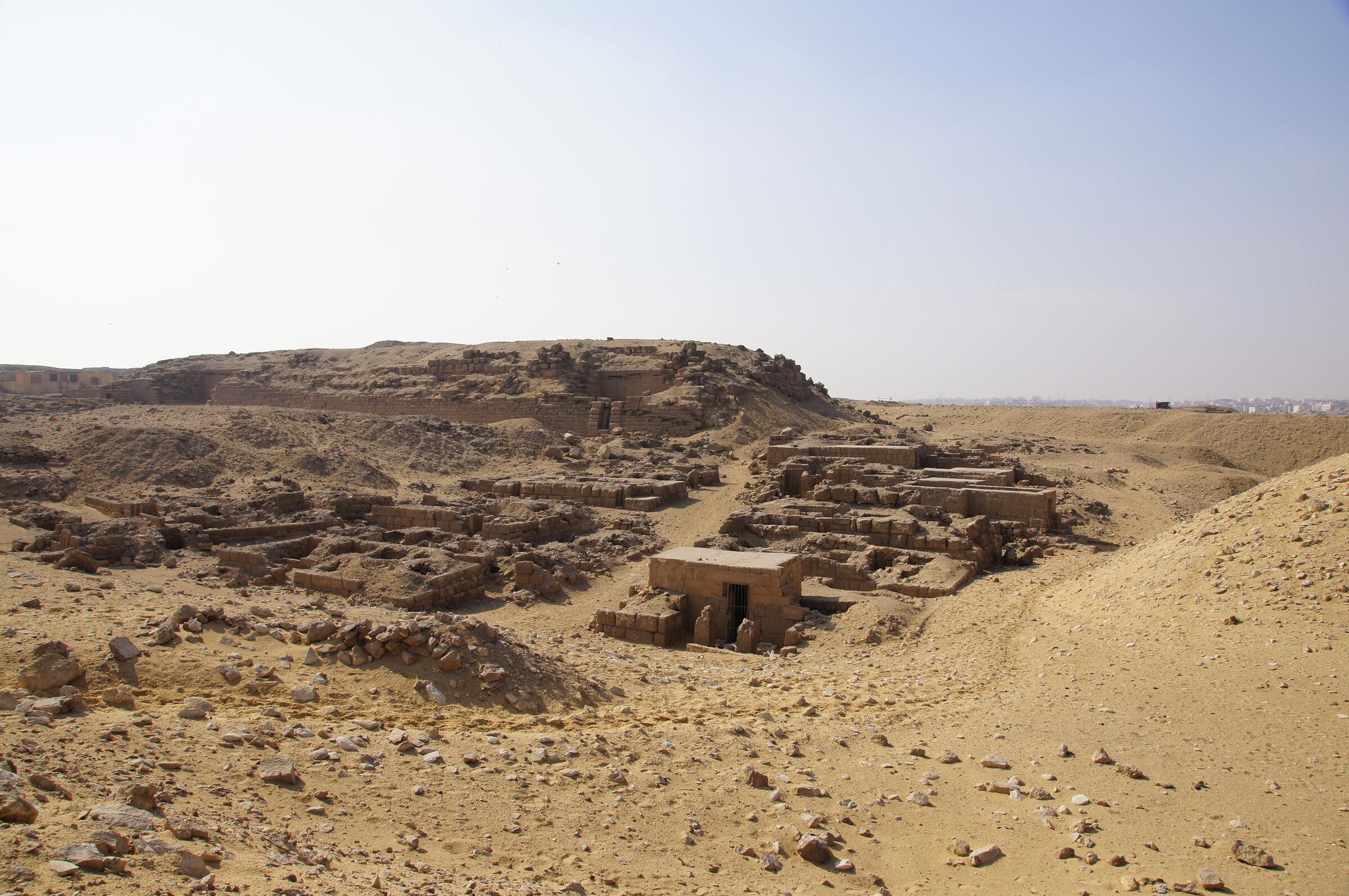 Western Cemetery: Site: Giza; View: G 2240, G 2230+2231, G 2084, G 2085, G 2086, G 2087, G 2099, G 2088, G 2098, G 2089, G 2091, G 2097, G 2246, G 2243, G 2244, G 2239, G 2242, G 2241, G 2238, G 2233, G 2237, G 2232, G 2236, G 2235, G 2234, G 2061, G 2071, G 2072, G 2000