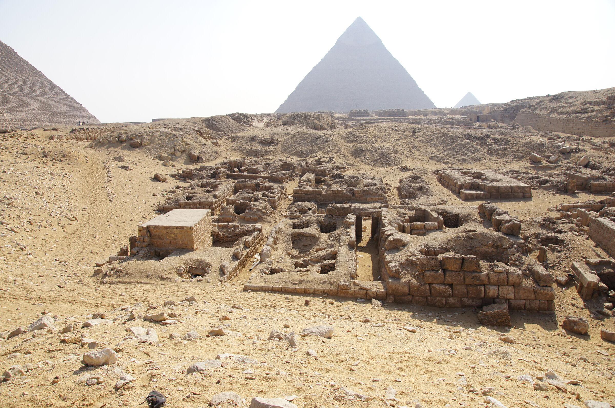 Western Cemetery: Site: Giza; View: G 2240, G 2230+2231, G 2084, G 2085, G 2086, G 2243, G 2244, G 2245, G 2239, G 2238, G 2242, G 2241, G 2237, G 2232, G 2233, G 2234, G 2235, G 2236, G 2071, G 2061, G 2072, G 2074, G 2073