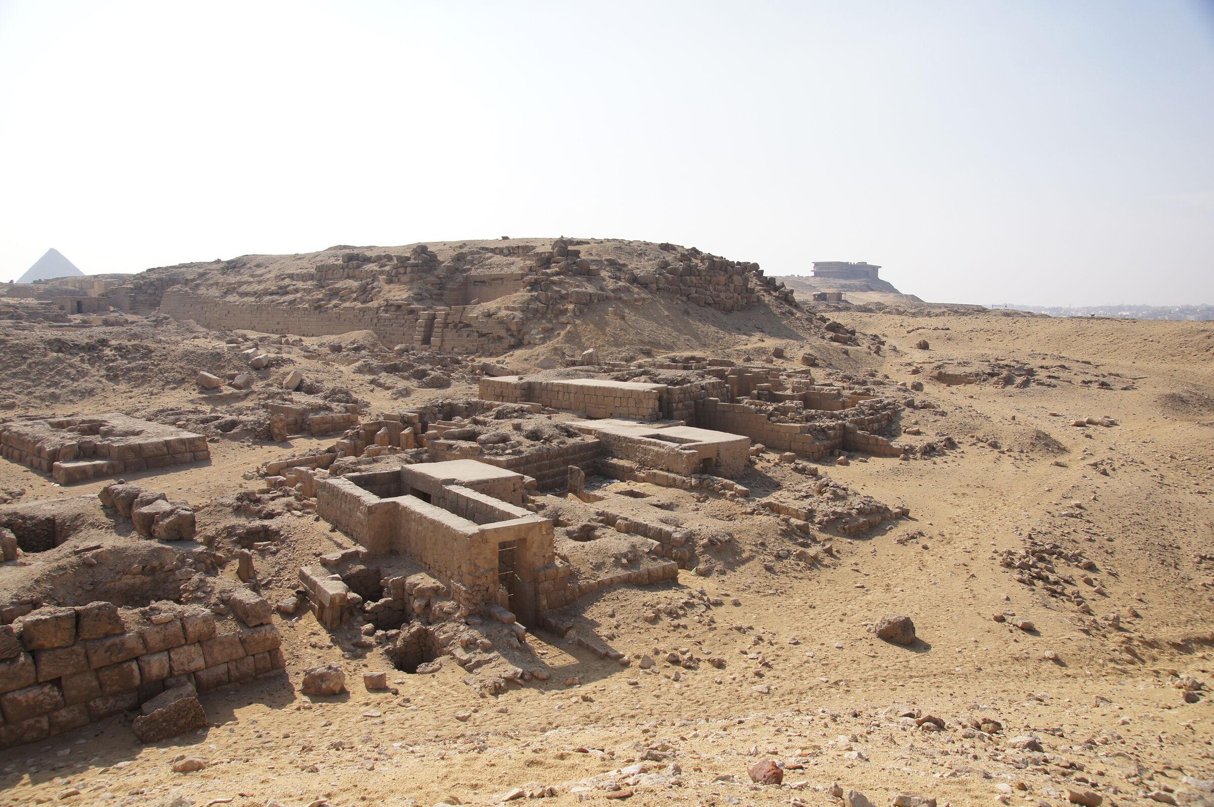 Western Cemetery: Site: Giza; View: G 2230+2231: G 2230, G 2085, G 2084, G 2086, G 2087, G 2088, G 2099, G 2098, G 2089, G 2097, G 2091, G 2093, G 2095, G 2094, G 2071,  G 2072, G 2074, G 2073, G 2075, G 2076, G 2077, G 2501, G 2509, G 2505, G 2507, G 2000
