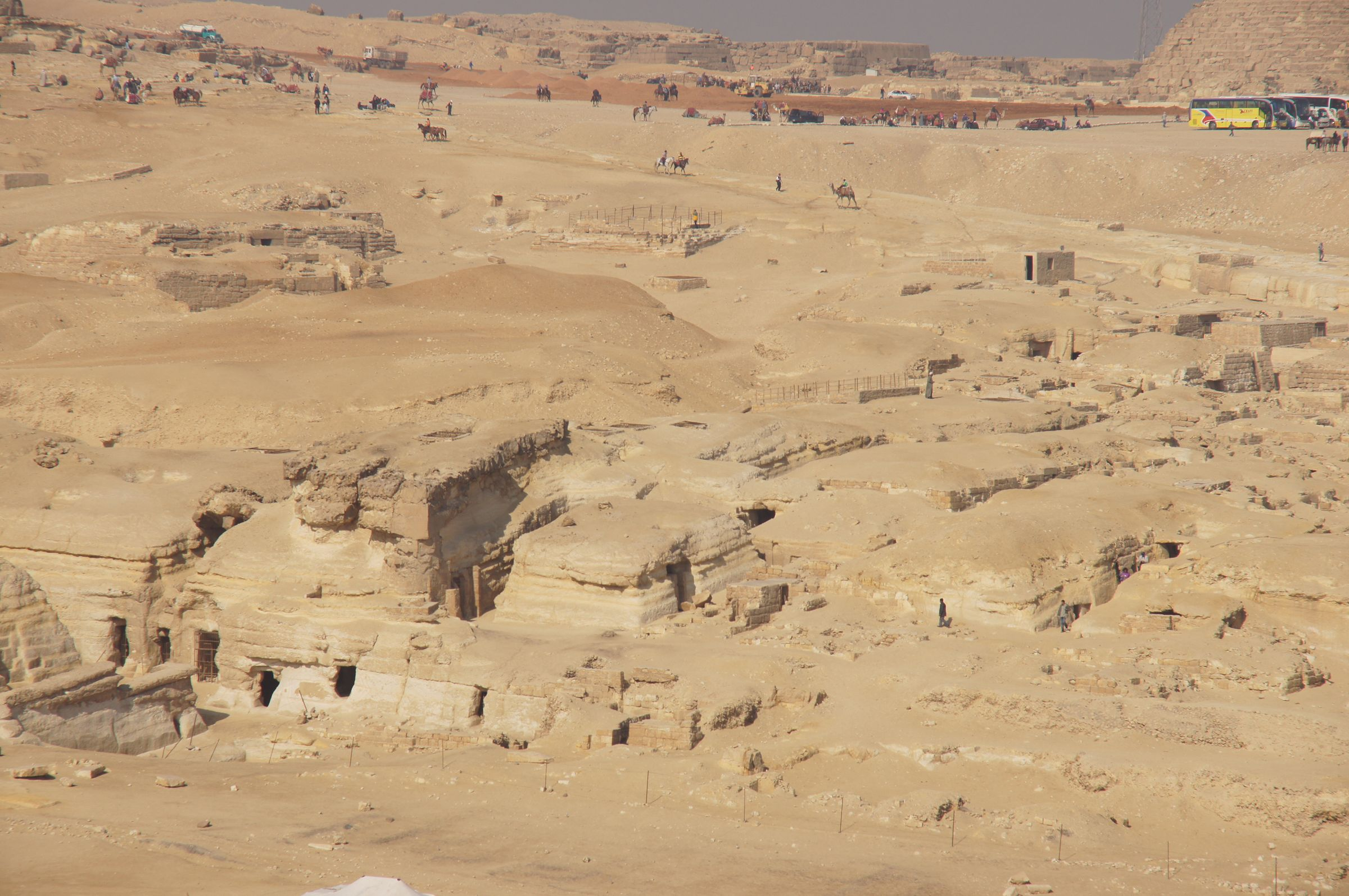Central Field (Hassan): Site: Giza; View: G 8400, G 8418, G 8602, G 8606, G 8620, G 8640, G 8650, G 8680, G 8682, G 8684, G 8690, G 8696, G 8408, G 8420, G 8658, G 8656, G 8660, G 8654, G 8655, G 8702, G 8708, G 8704, G 8710, G 8422, G 8664, G 8668, G 8424, G 8670, G 8672, G 871