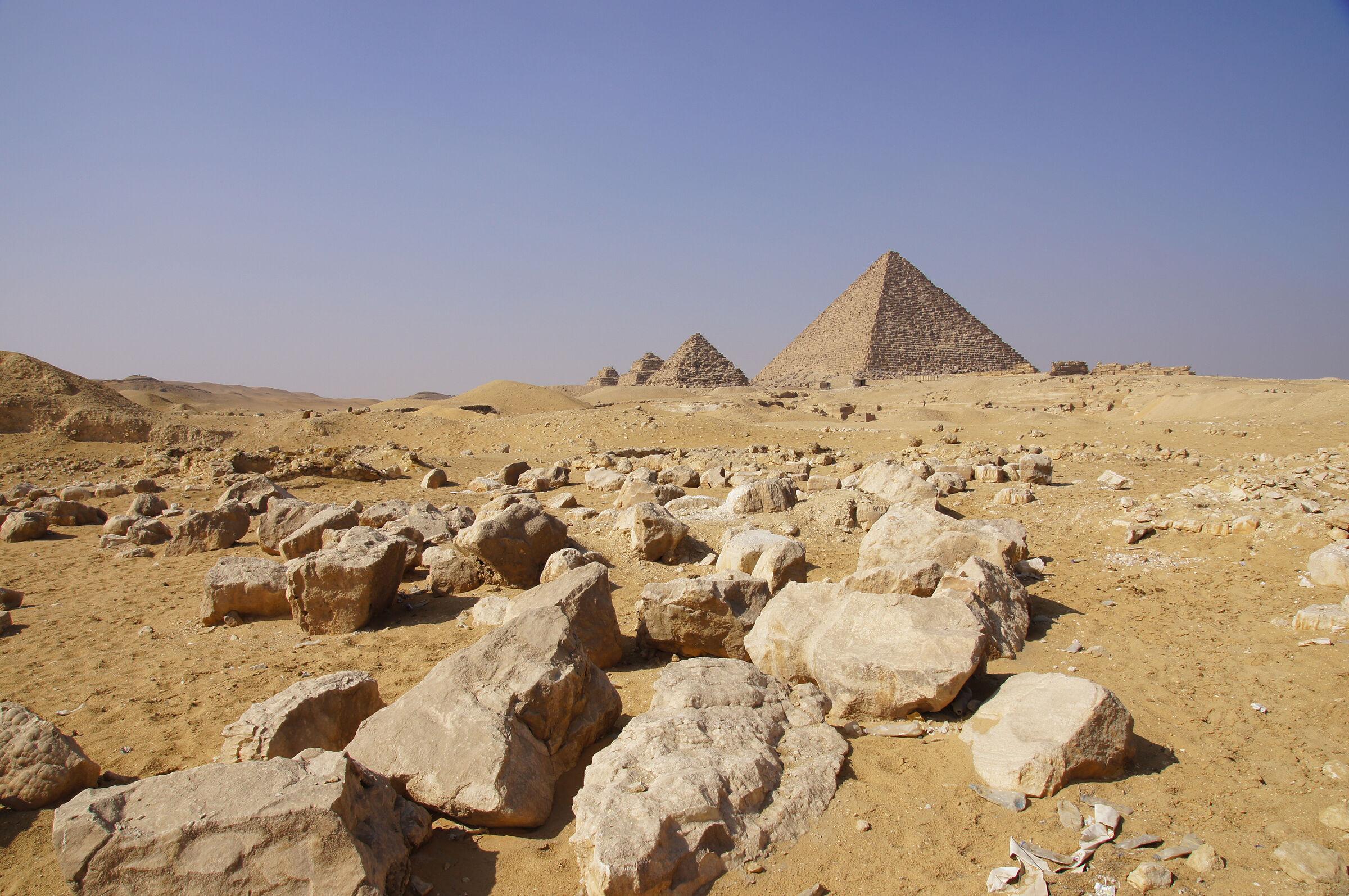 Saleh Settlement: Site: Giza; View: Saleh Settlement, Menkaure Pyramid, Menkaure Pyramid Temple, G III-a, G III-b, G III-c