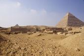 Central Field (Hassan): Site: Giza; View: G 8070, G 8066, G 8080, G 8090, G 8126, G 8124, G 8130, G 8220?, G 8224?, G 8250, G 8240, G 8242, G 8260, G 8270, Khafre Pyramid