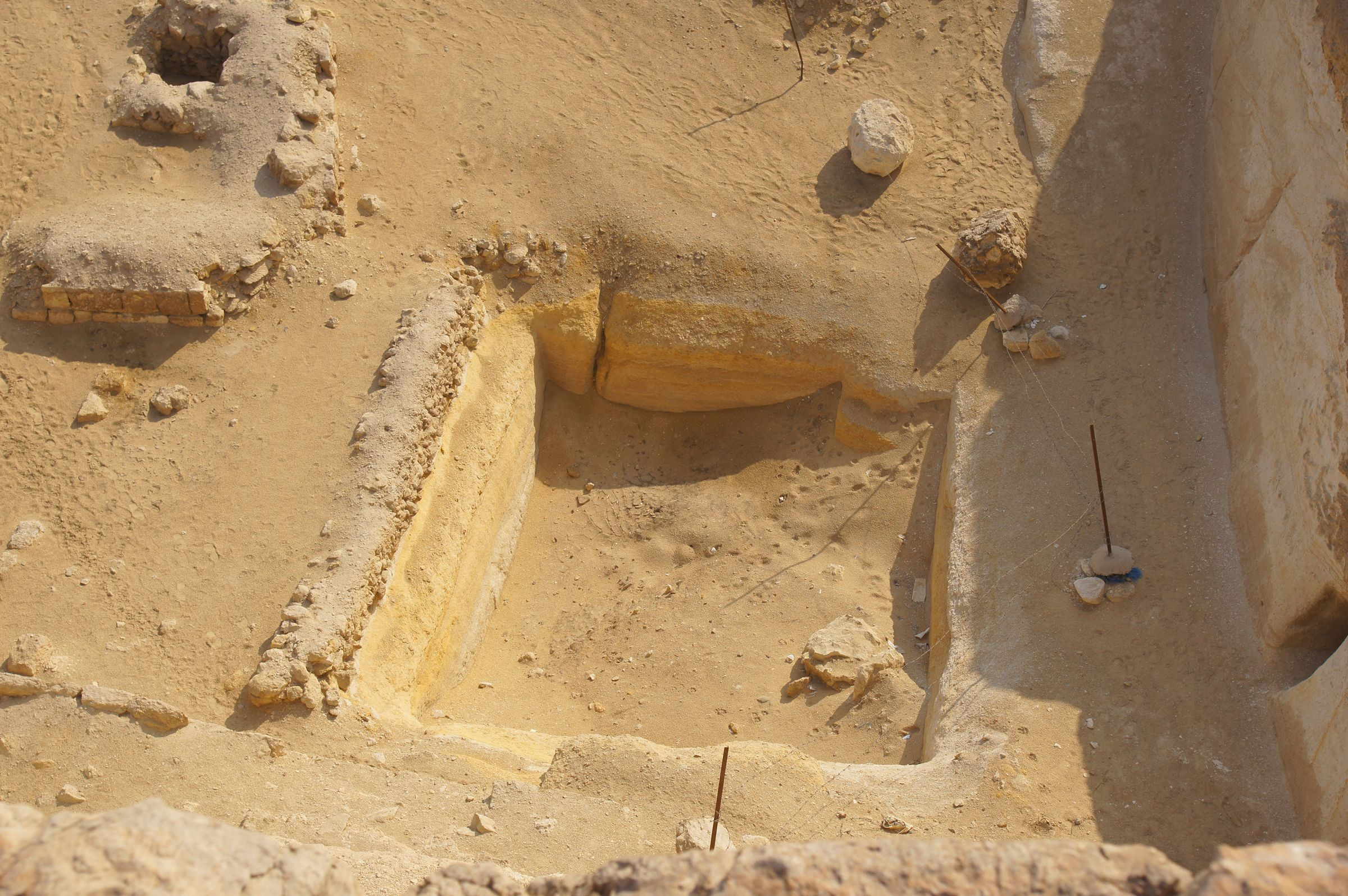 Central Field (Hassan): Site: Giza; View: G 8400, G 8622